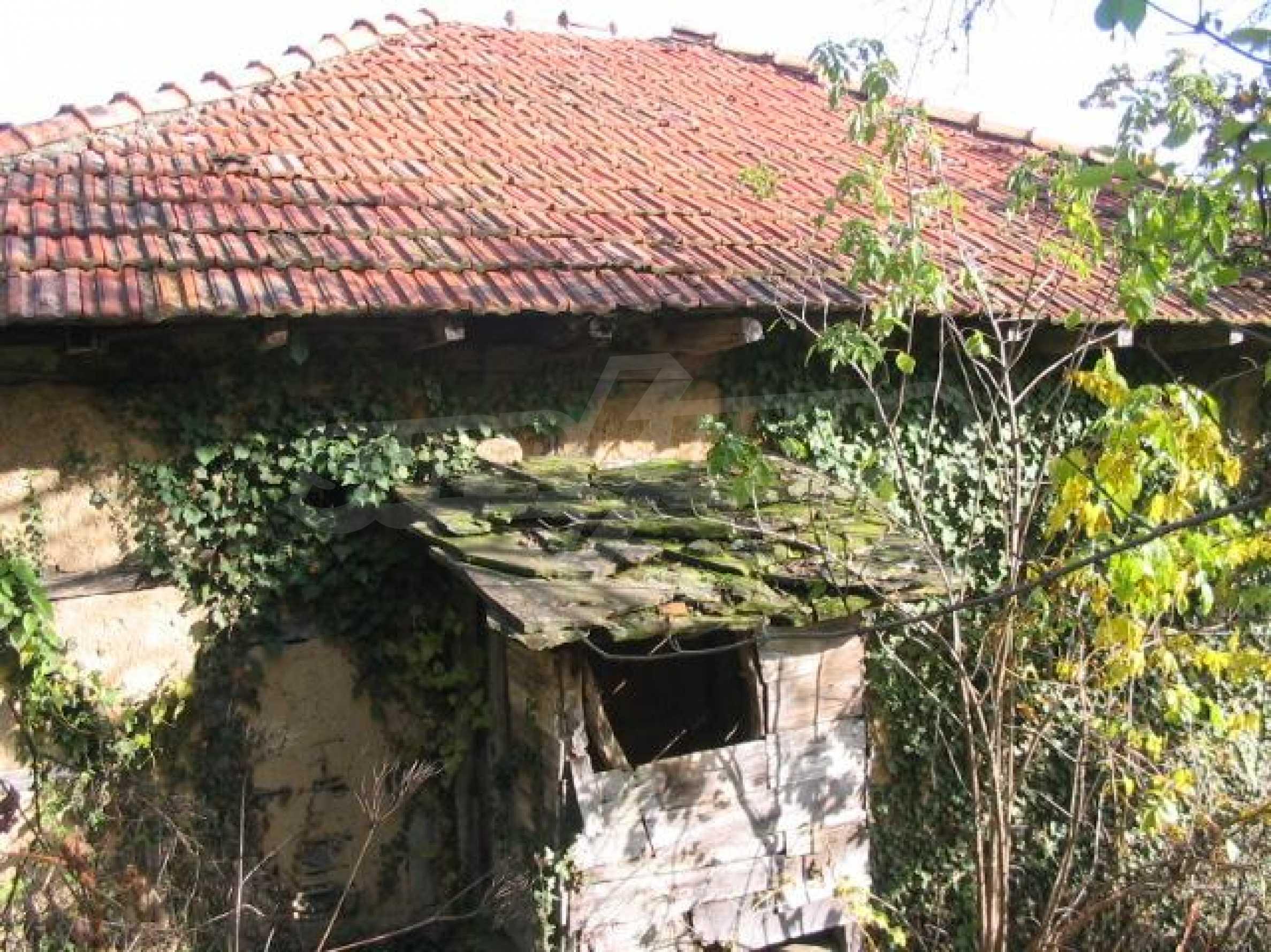 Селски имот в сърцето на Балкана  13