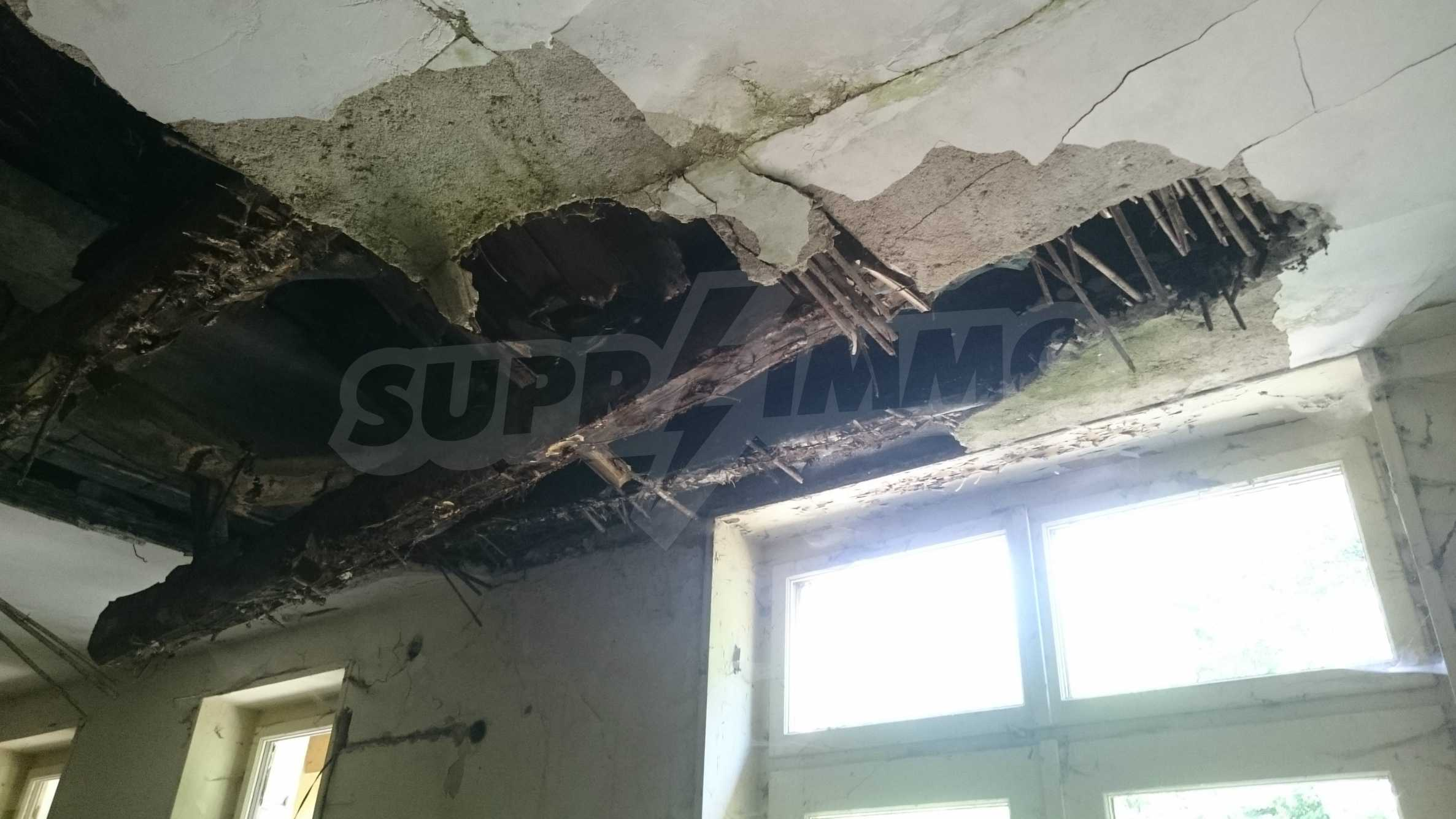 Hotel in need of complete renovation 20