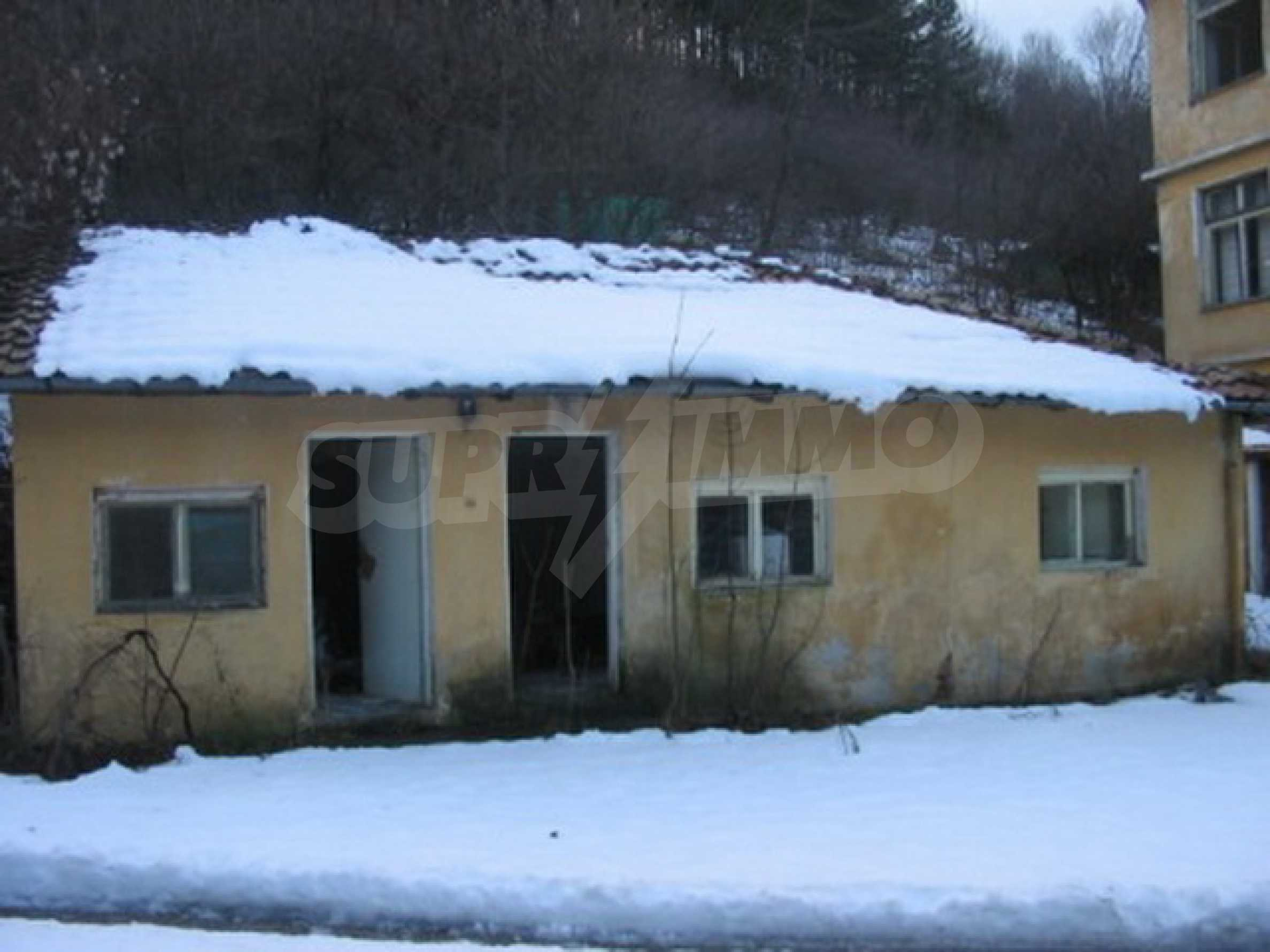 Hotel in need of complete renovation 4