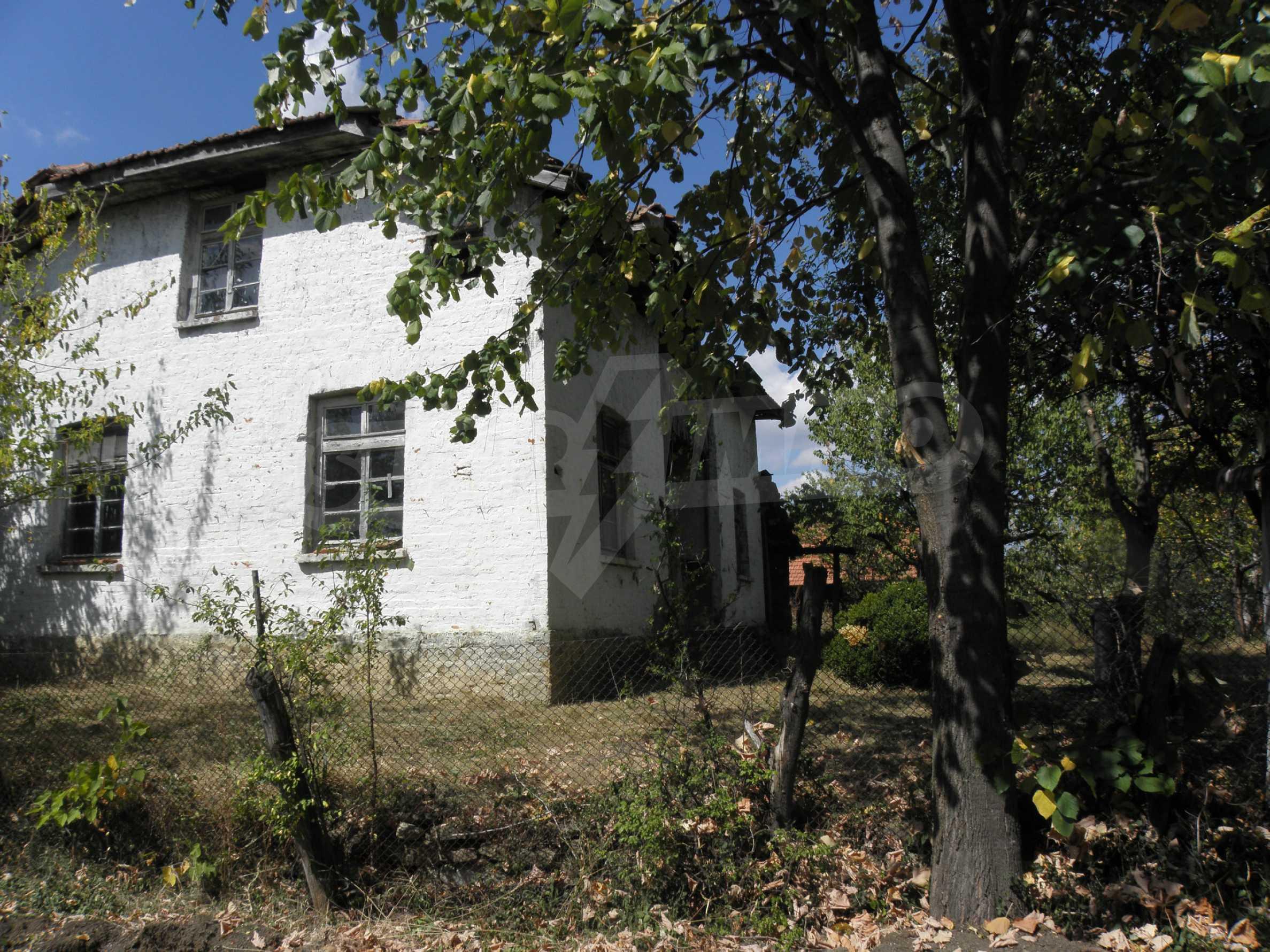 Altes Haus in einem Bergdorf, 20 km von der Stadt Sevlievo entfernt