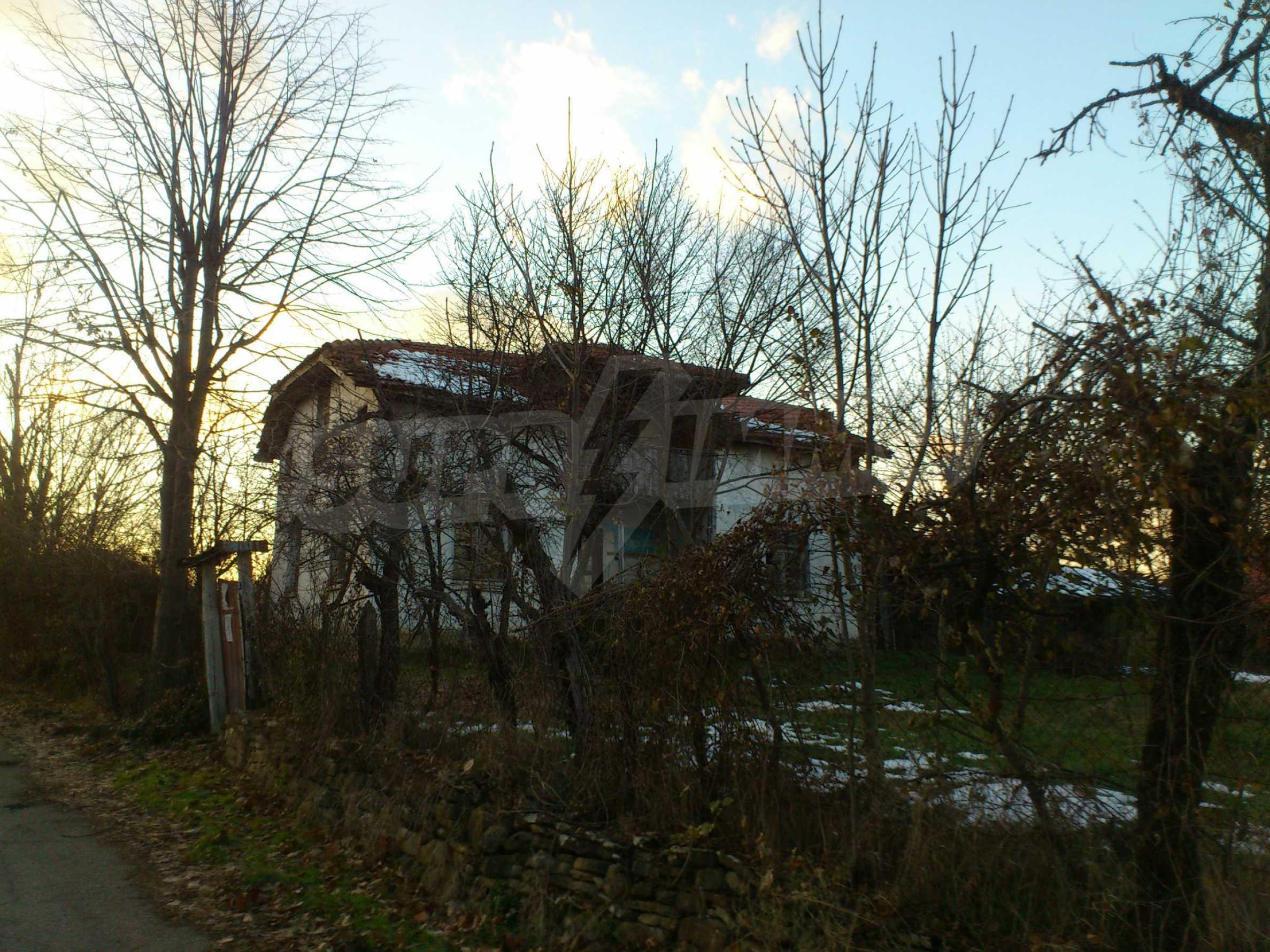 Altes Haus in einem Bergdorf, 20 km von der Stadt Sevlievo entfernt 9