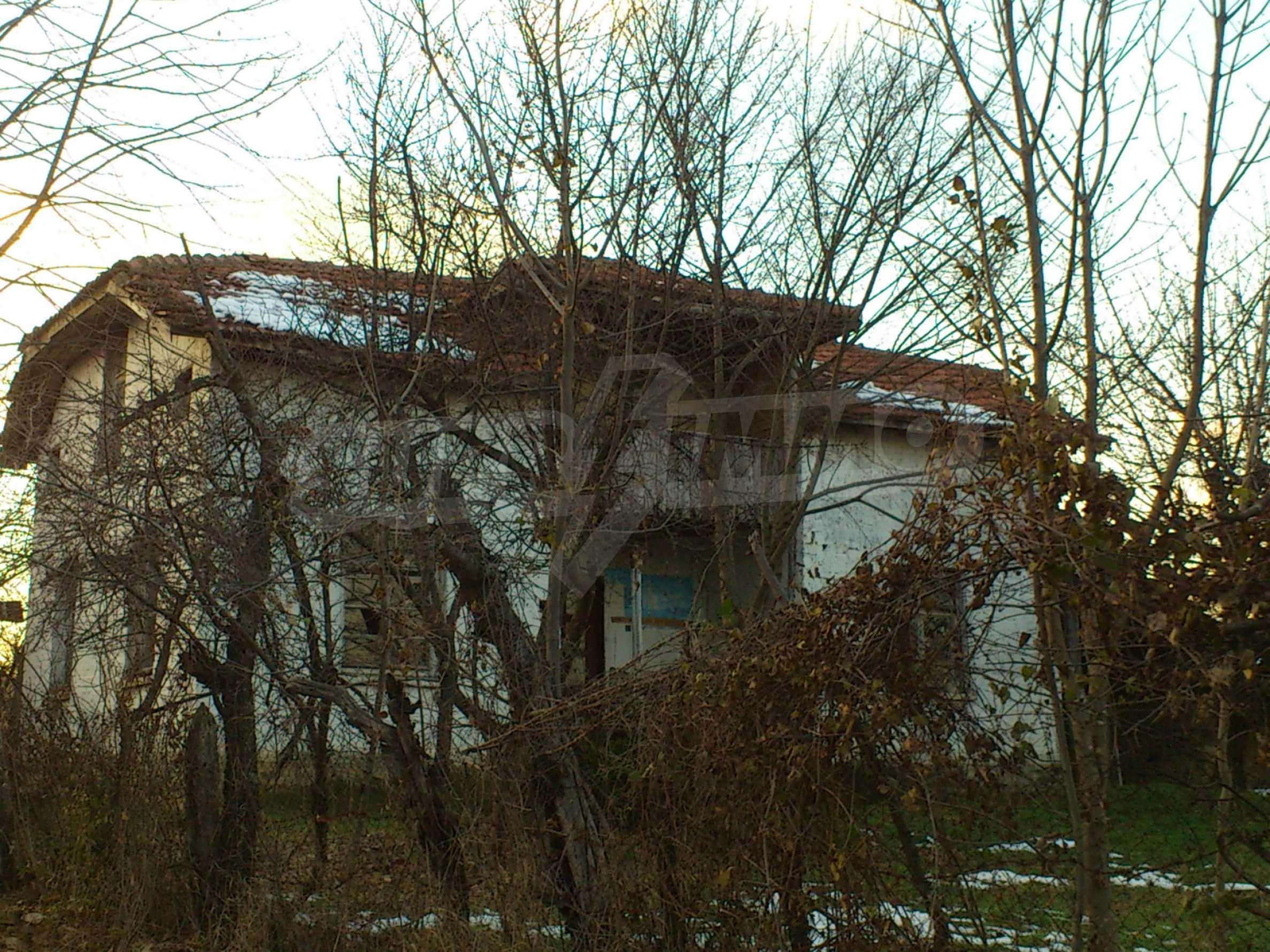 Altes Haus in einem Bergdorf, 20 km von der Stadt Sevlievo entfernt 10
