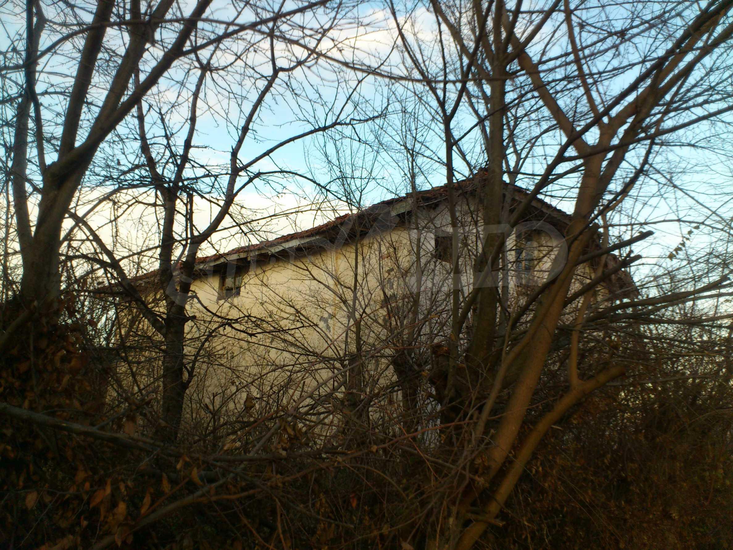Altes Haus in einem Bergdorf, 20 km von der Stadt Sevlievo entfernt 11