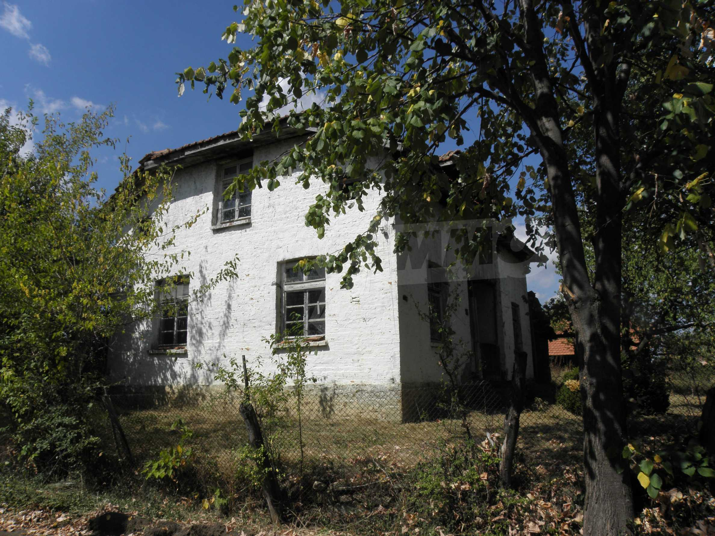 Altes Haus in einem Bergdorf, 20 km von der Stadt Sevlievo entfernt 2