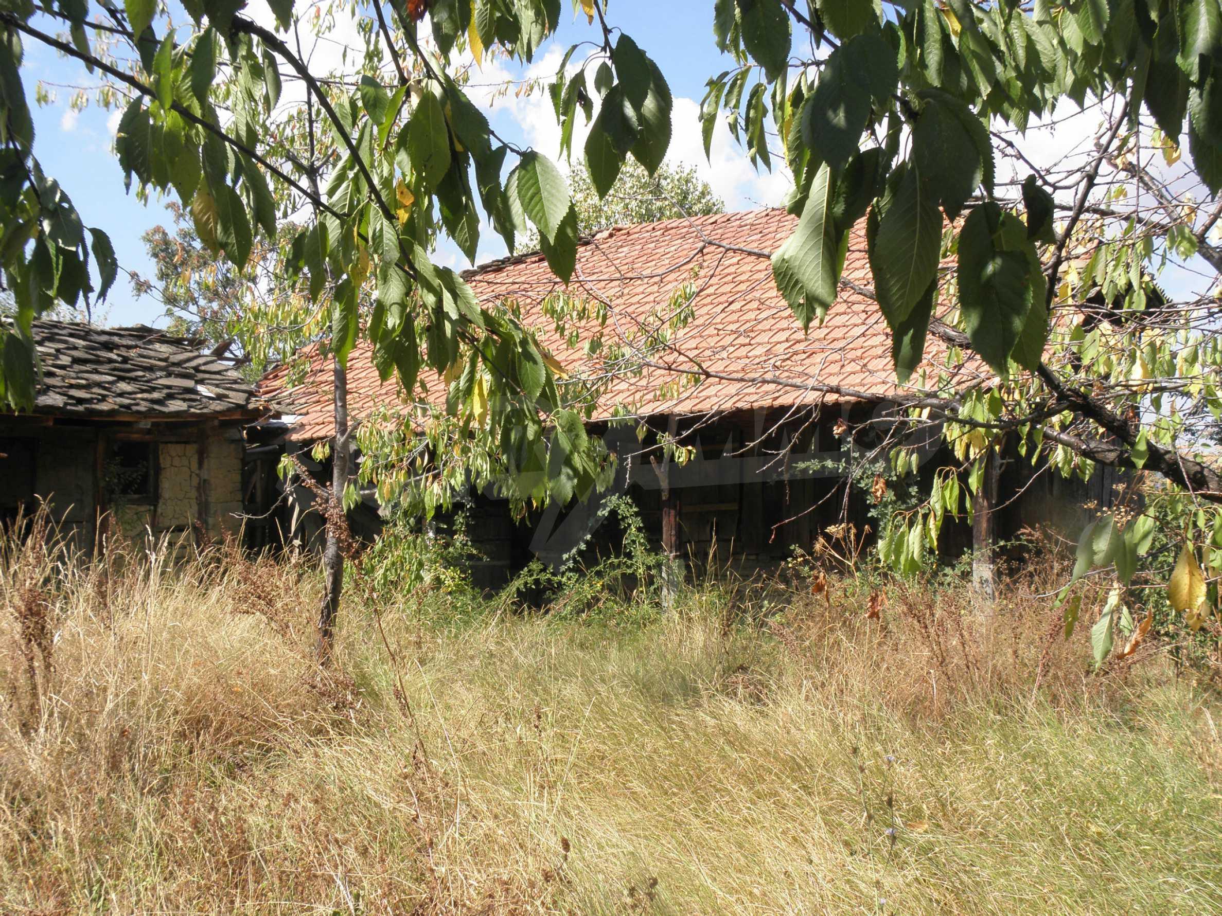 Altes Haus in einem Bergdorf, 20 km von der Stadt Sevlievo entfernt 4