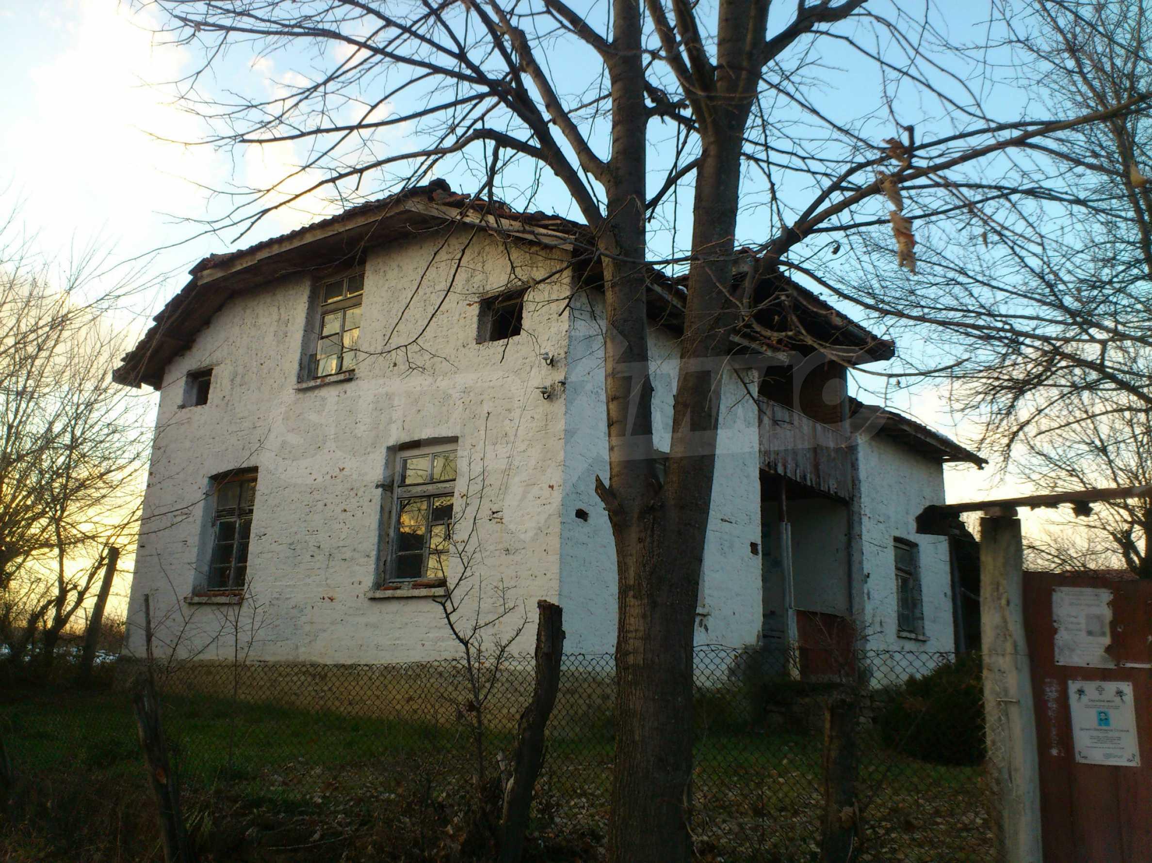Altes Haus in einem Bergdorf, 20 km von der Stadt Sevlievo entfernt 5