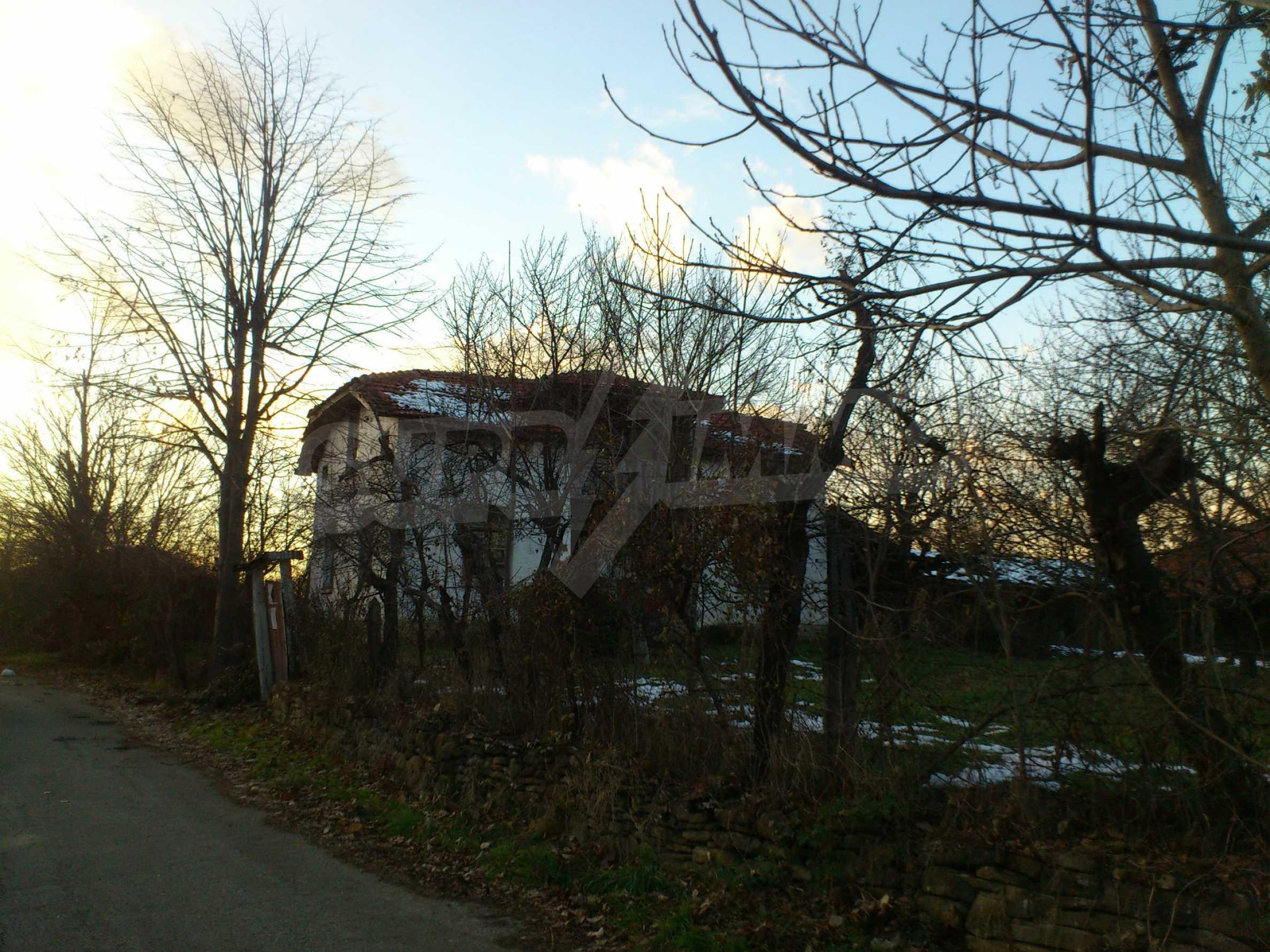 Altes Haus in einem Bergdorf, 20 km von der Stadt Sevlievo entfernt 6