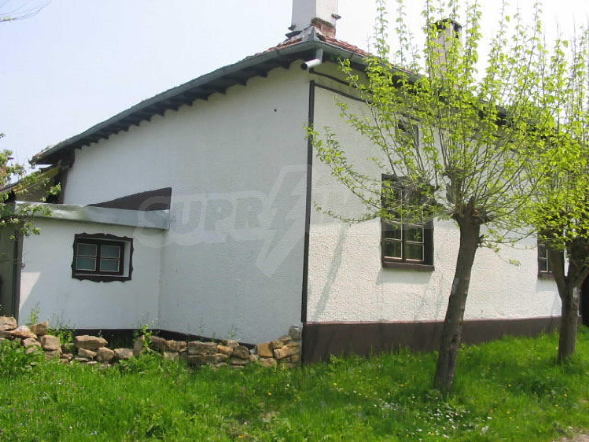 Къща за продажба близо до гр. Велико Търново  14