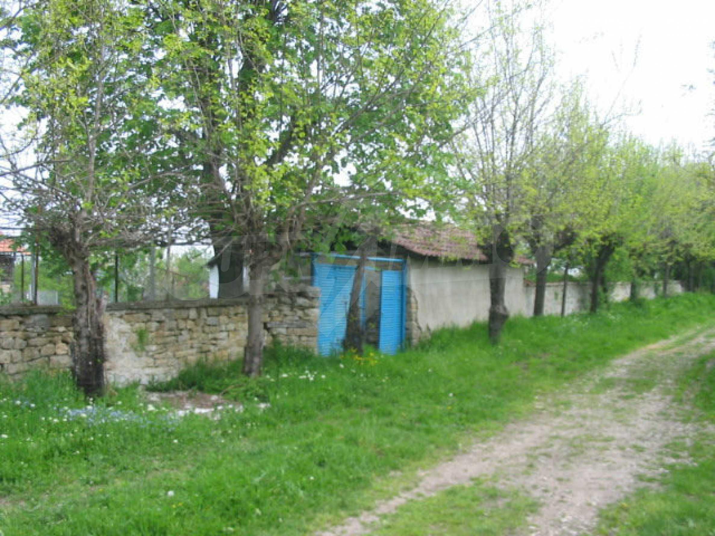Къща за продажба близо до гр. Велико Търново  17