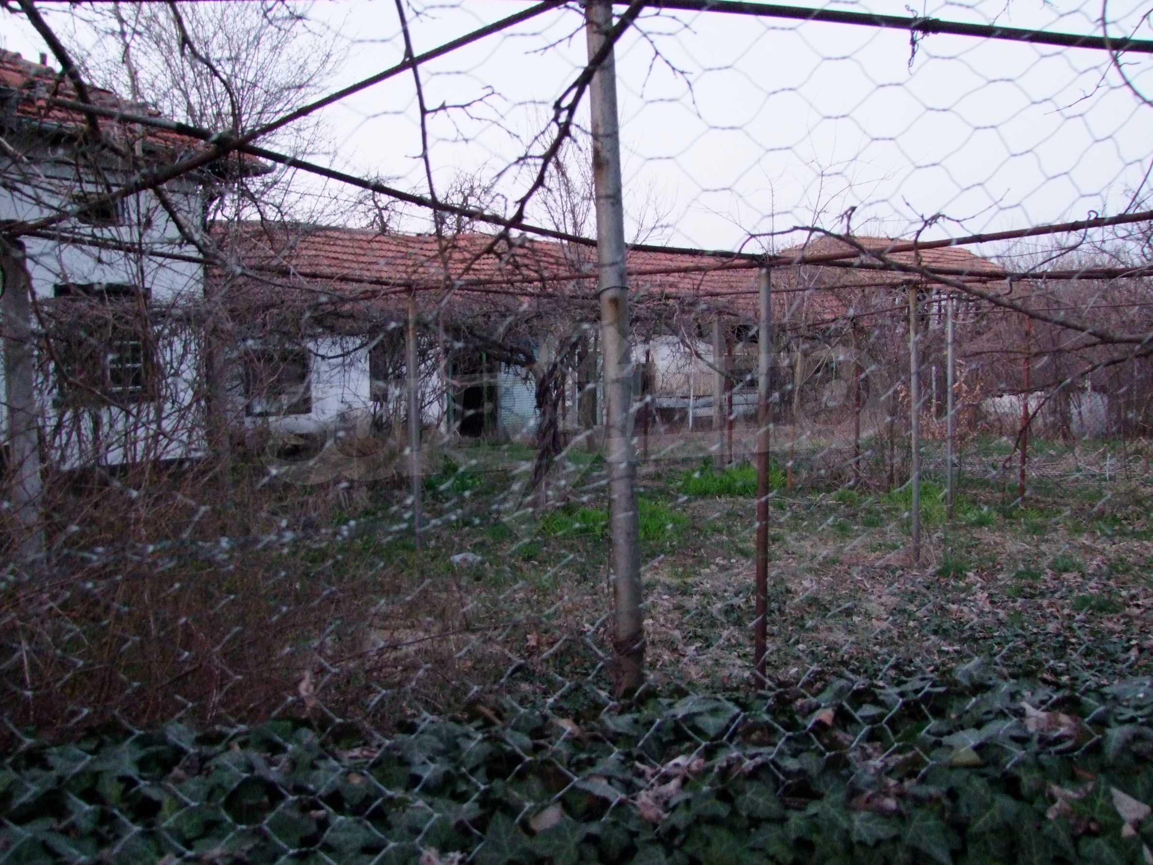 Къща за продажба близо до гр. Велико Търново  23