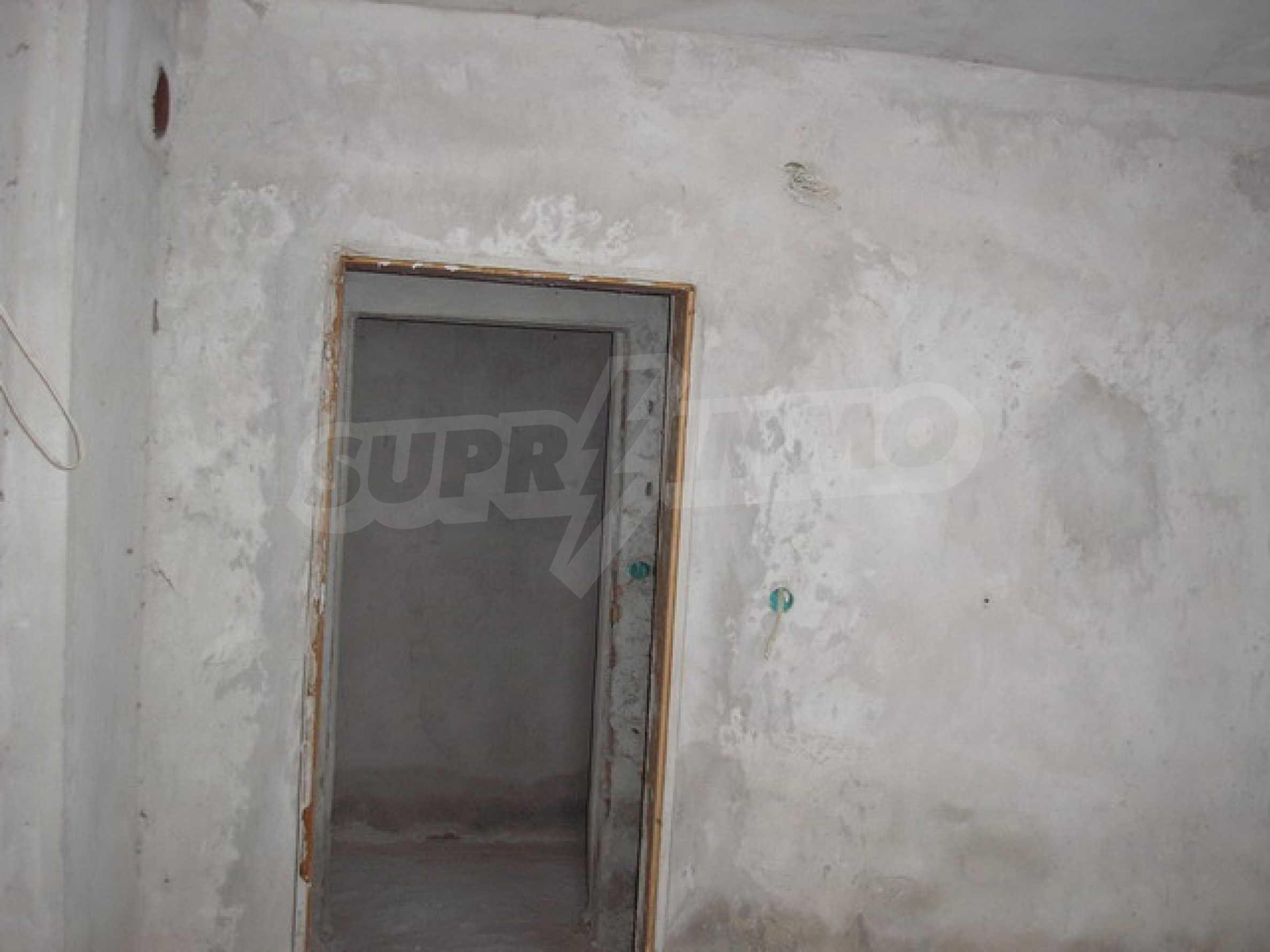 Neugebautes Haus mit Geschäftspotential, nur 6 km von Trjawna entfernt 10