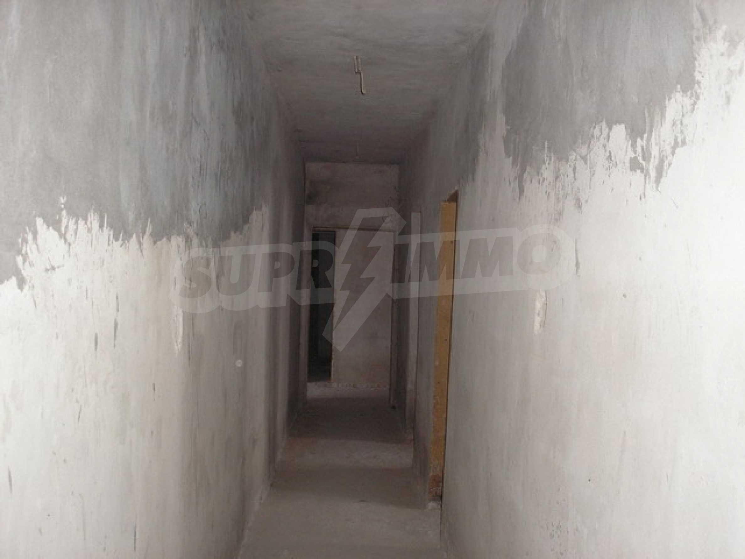 Neugebautes Haus mit Geschäftspotential, nur 6 km von Trjawna entfernt 12