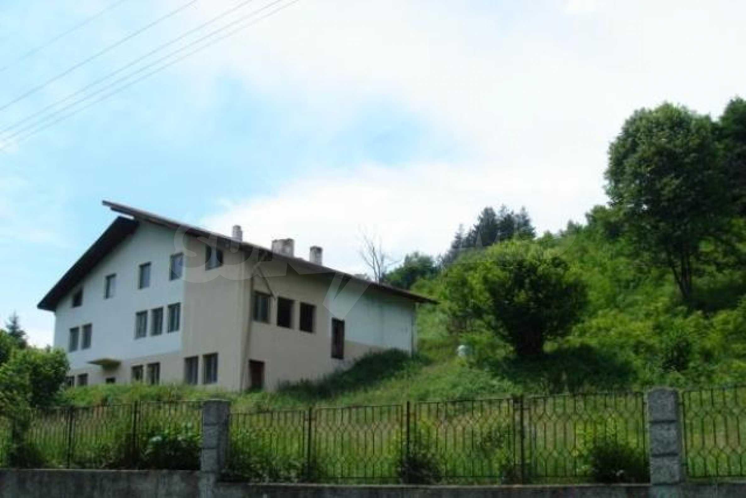 Neugebautes Haus mit Geschäftspotential, nur 6 km von Trjawna entfernt 2