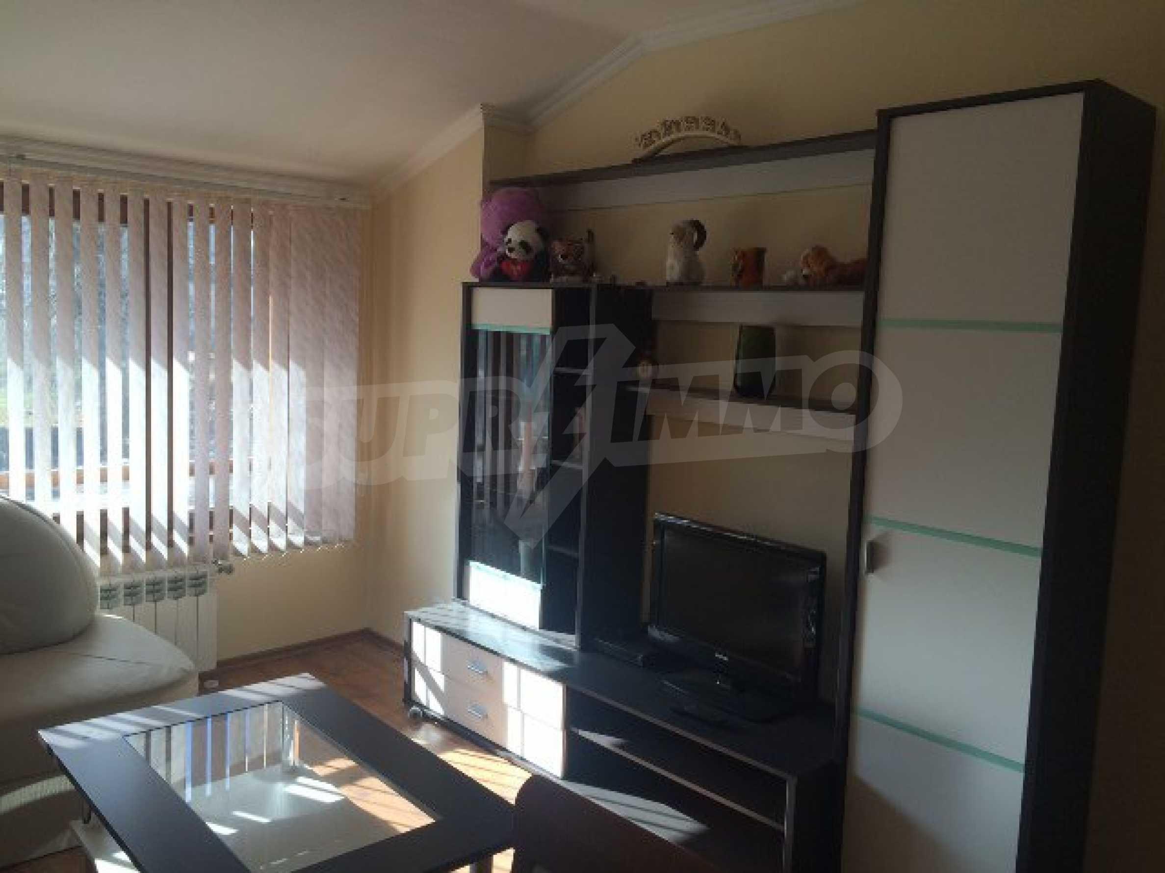 Уютен двустаен апартамент в Банско 3