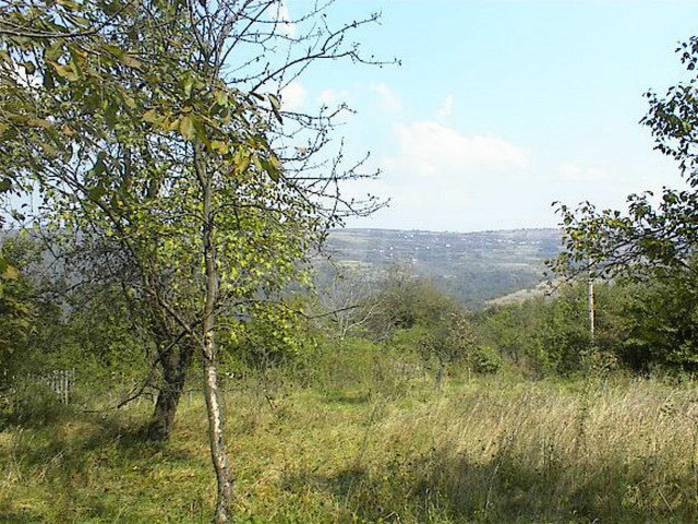 Дом с большим садом в живописной деревне в 10 км. от Габрово 3
