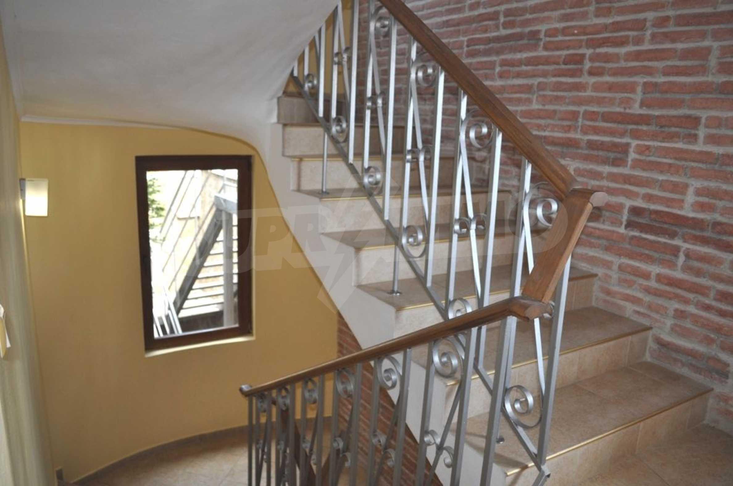 Villa mit Swimmingpool und 6 Schlafzimmern in der Nähe des Resorts Albena 12