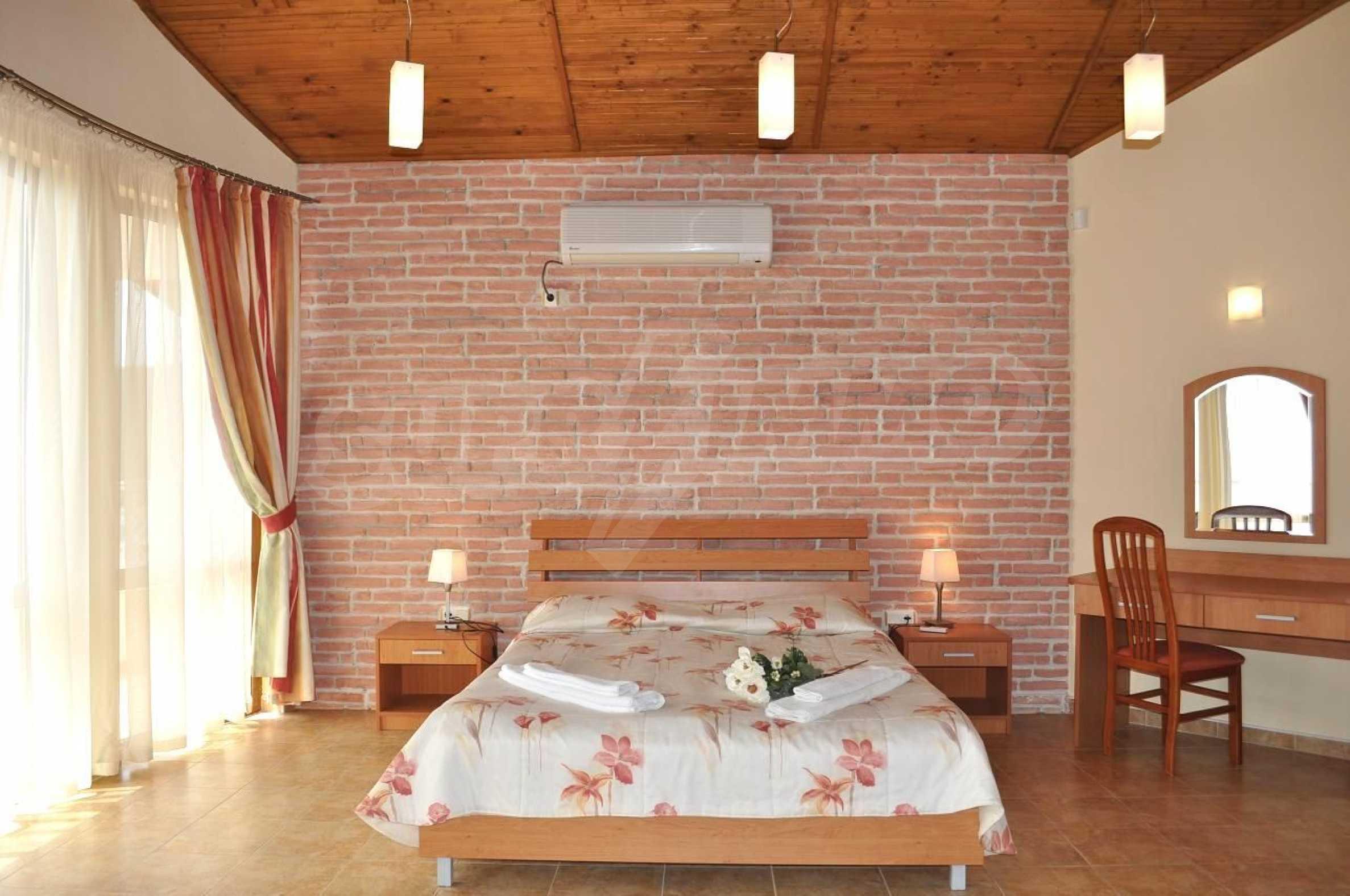 Villa mit Swimmingpool und 6 Schlafzimmern in der Nähe des Resorts Albena 13