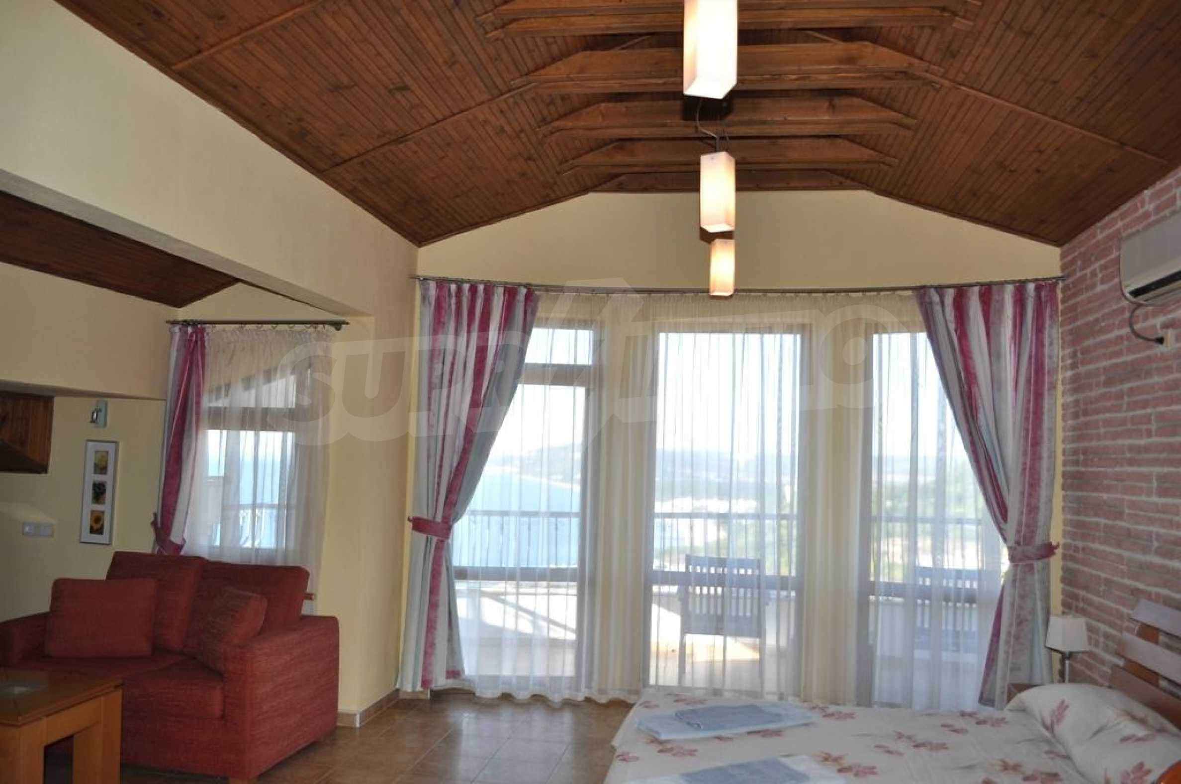 Villa mit Swimmingpool und 6 Schlafzimmern in der Nähe des Resorts Albena 14