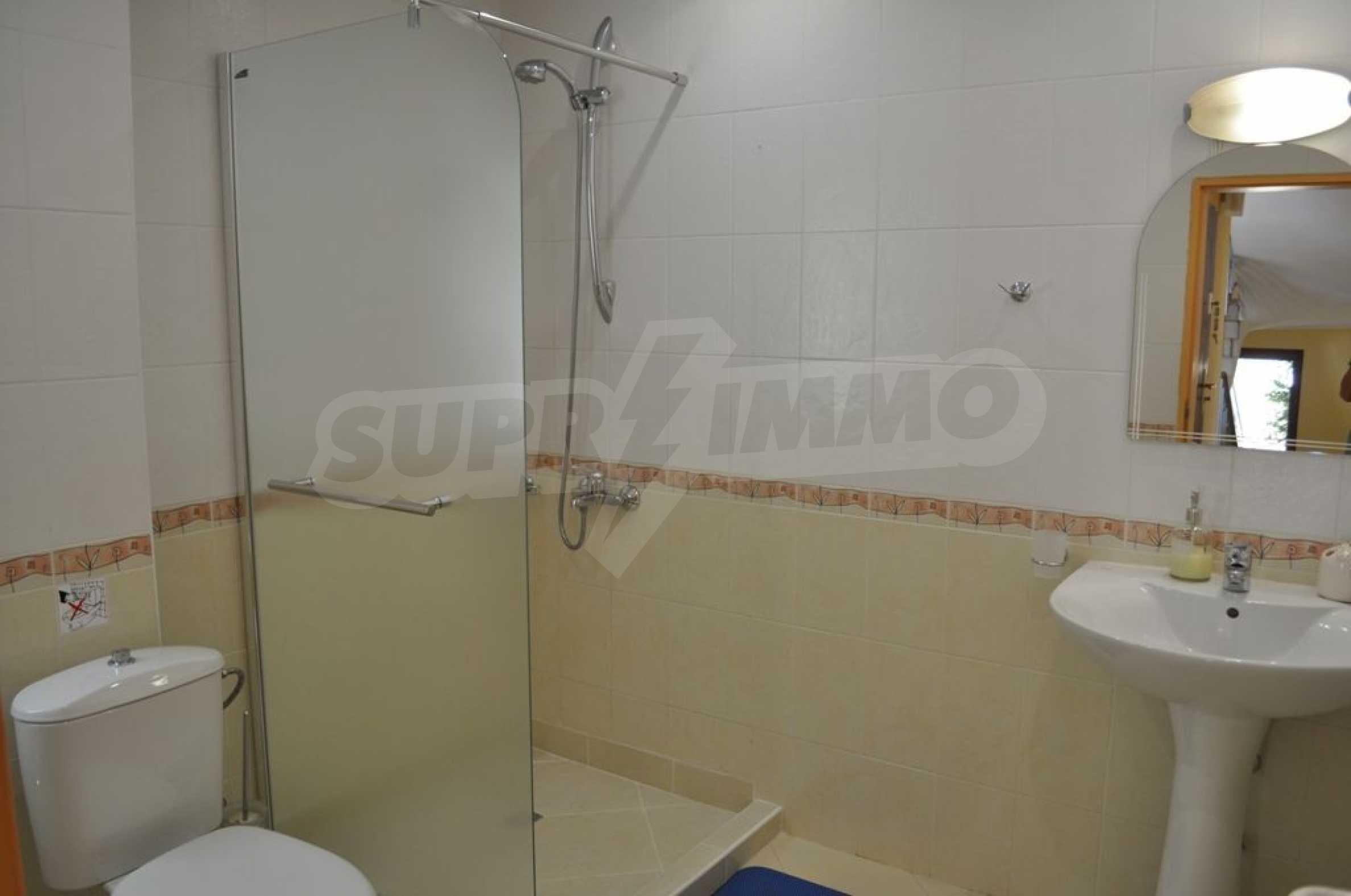 Villa mit Swimmingpool und 6 Schlafzimmern in der Nähe des Resorts Albena 25