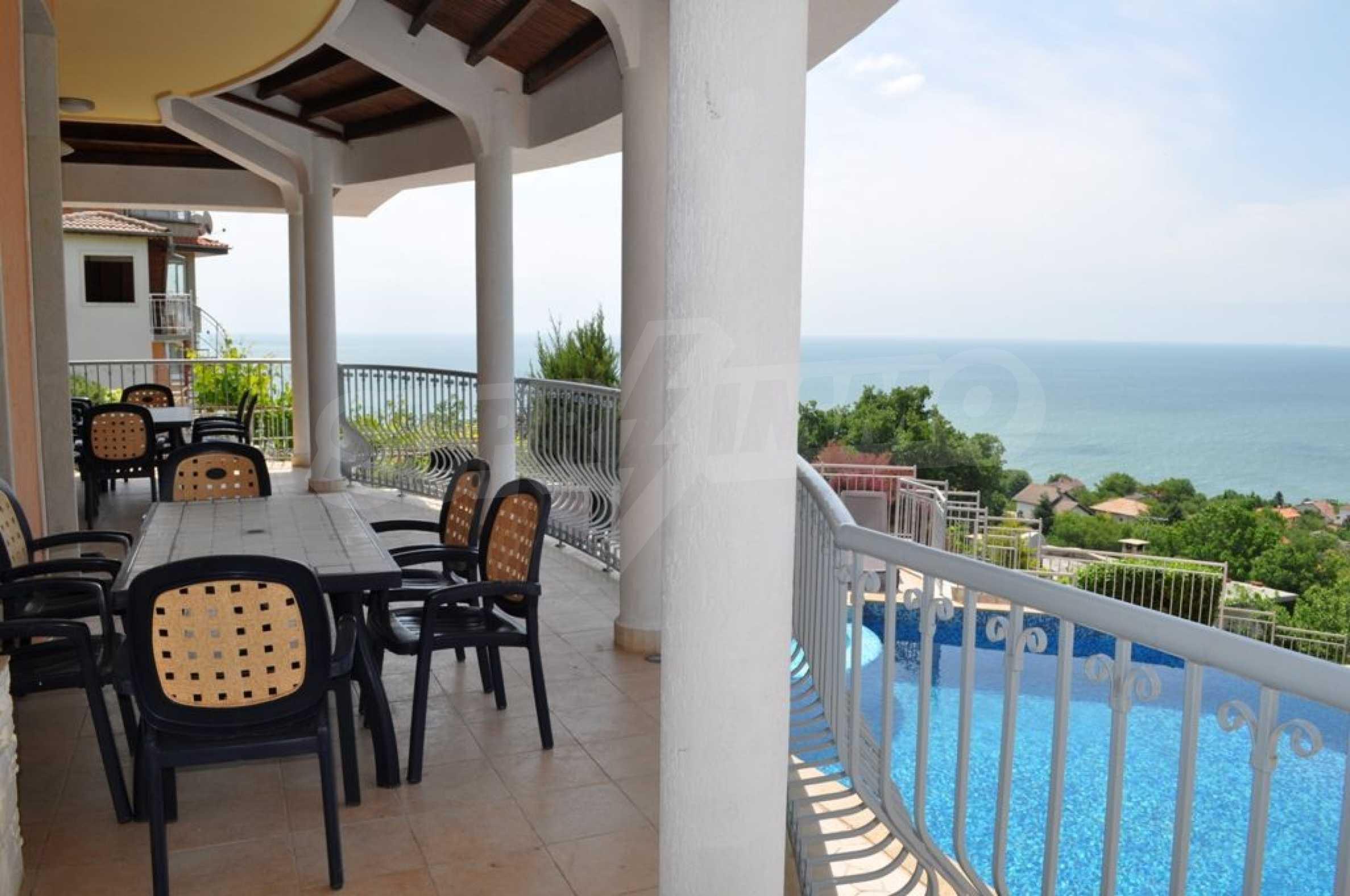Villa mit Swimmingpool und 6 Schlafzimmern in der Nähe des Resorts Albena 4