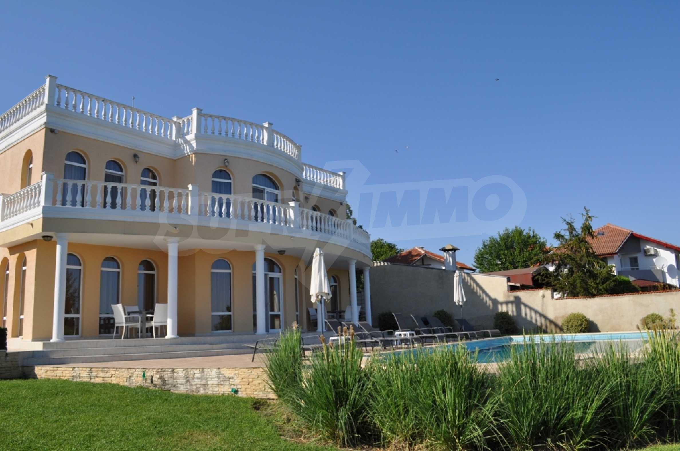 Villa Sinatra 27