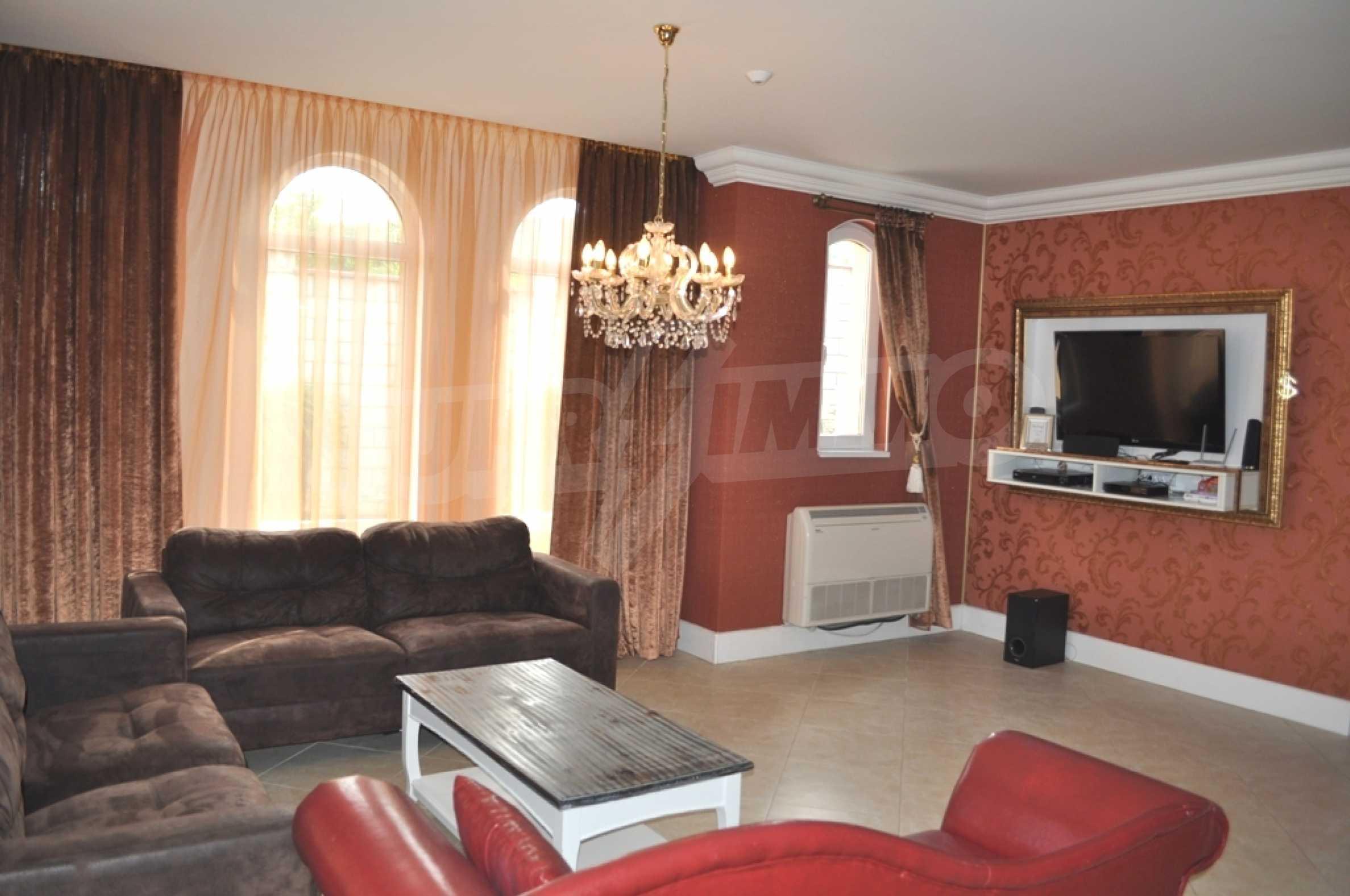 Villa Sinatra 5