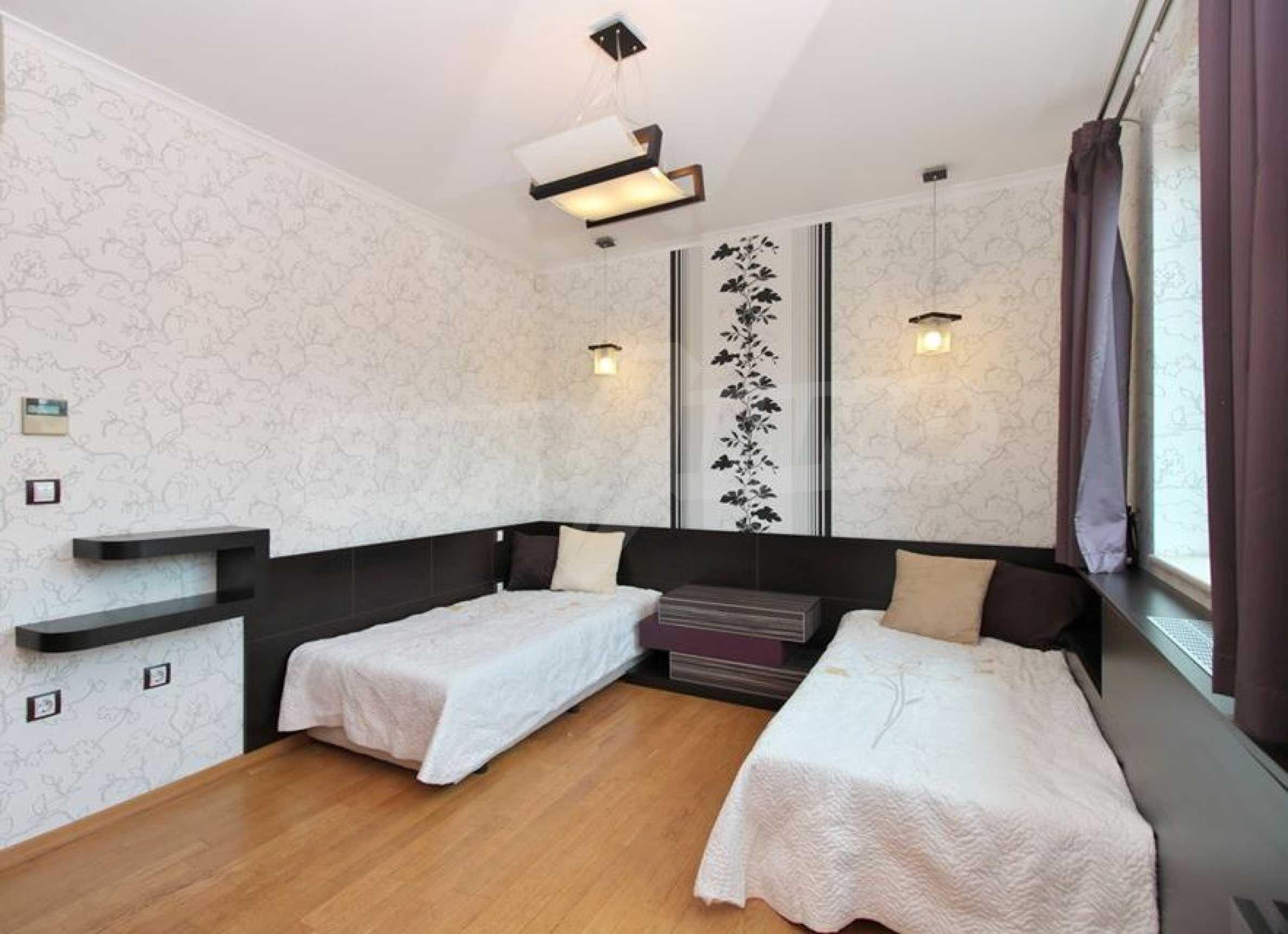 Апартамент Салтанат - комфортен имот в сърцето на Морската градина 17