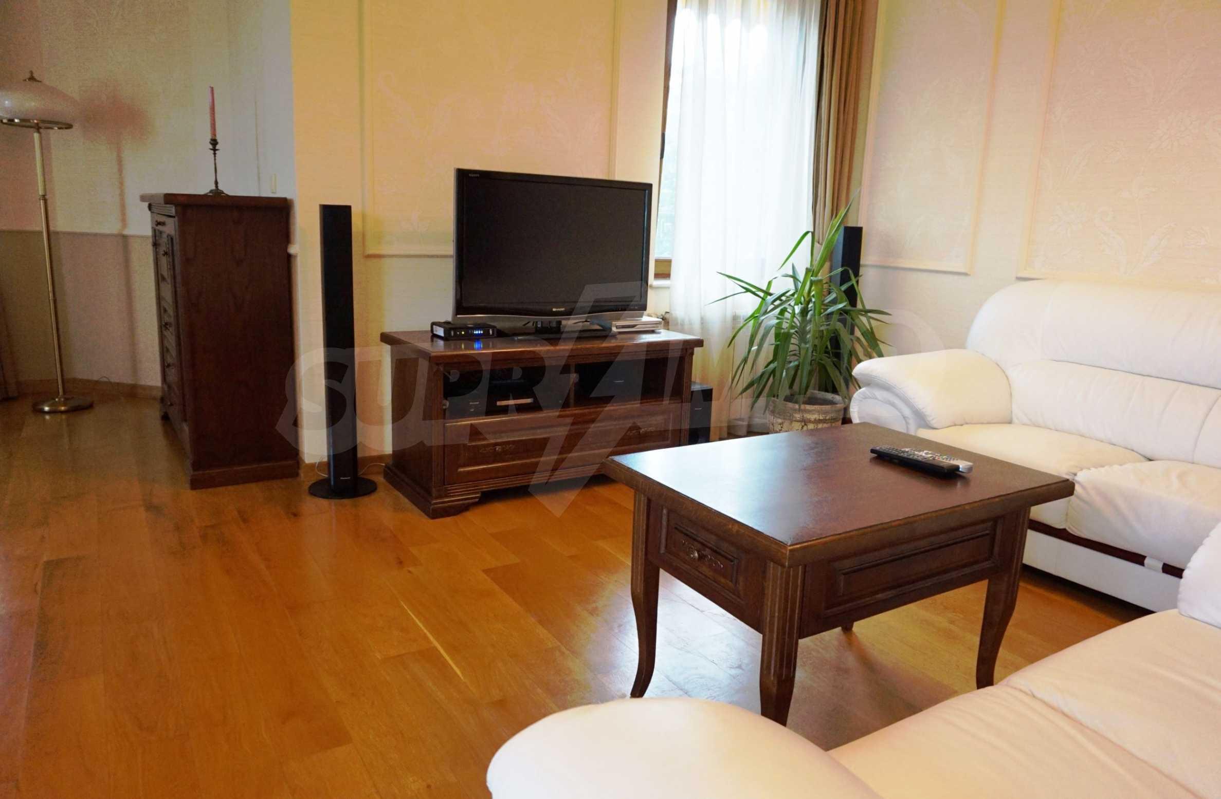 Апартамент Салтанат - комфортен имот в сърцето на Морската градина 5