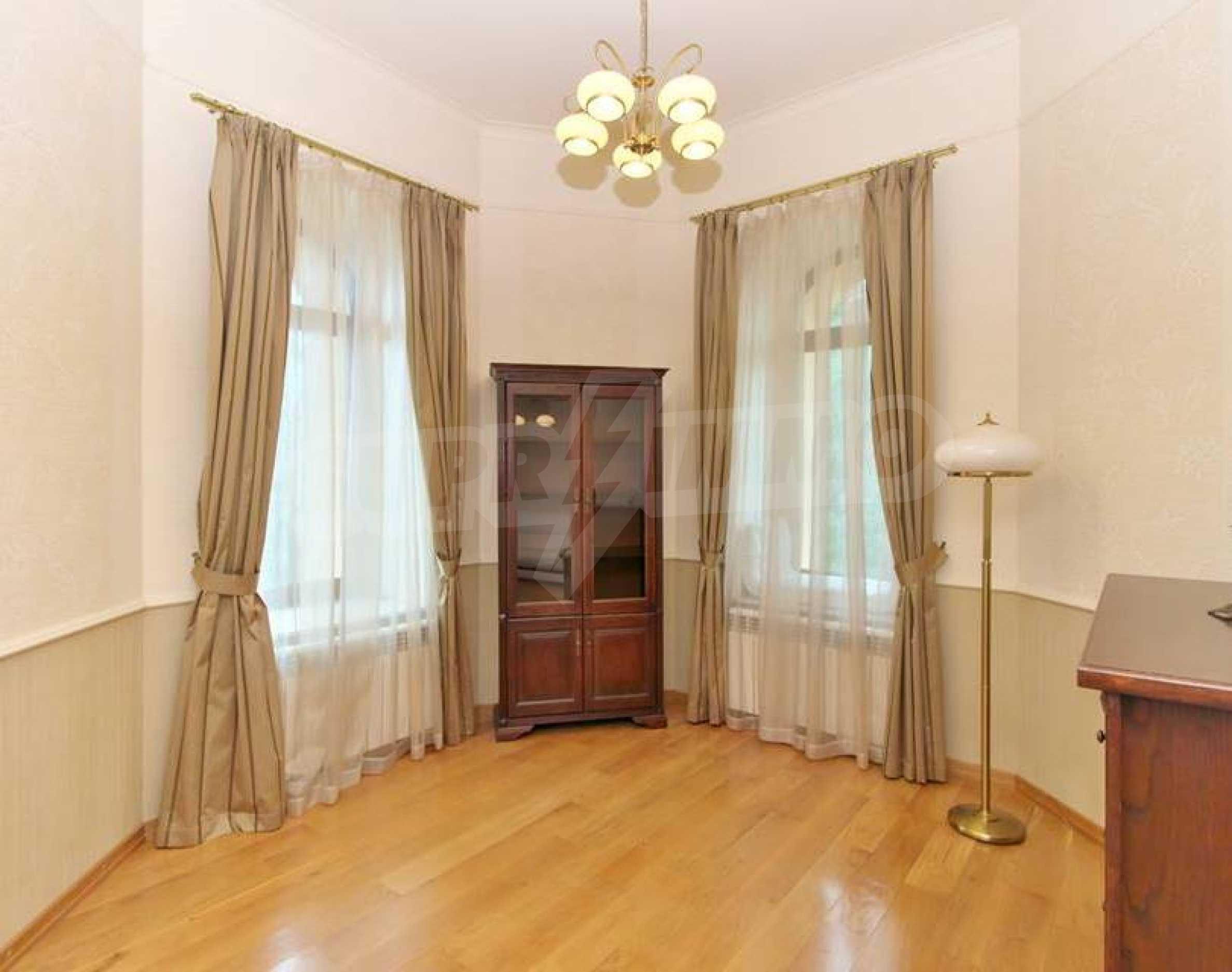 Апартамент Салтанат - комфортен имот в сърцето на Морската градина 2