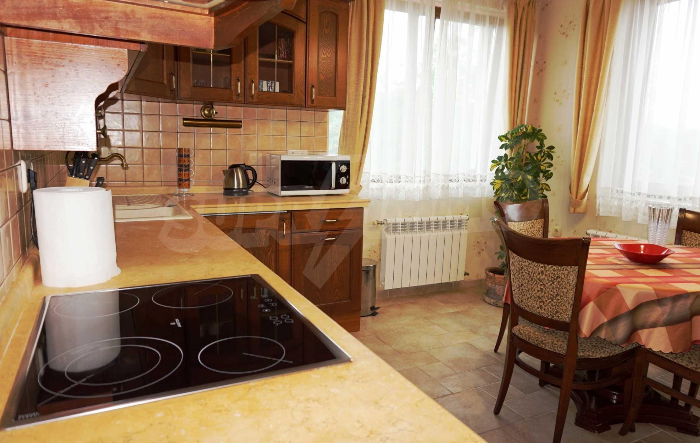 Апартамент Салтанат - комфортен имот в сърцето на Морската градина 7