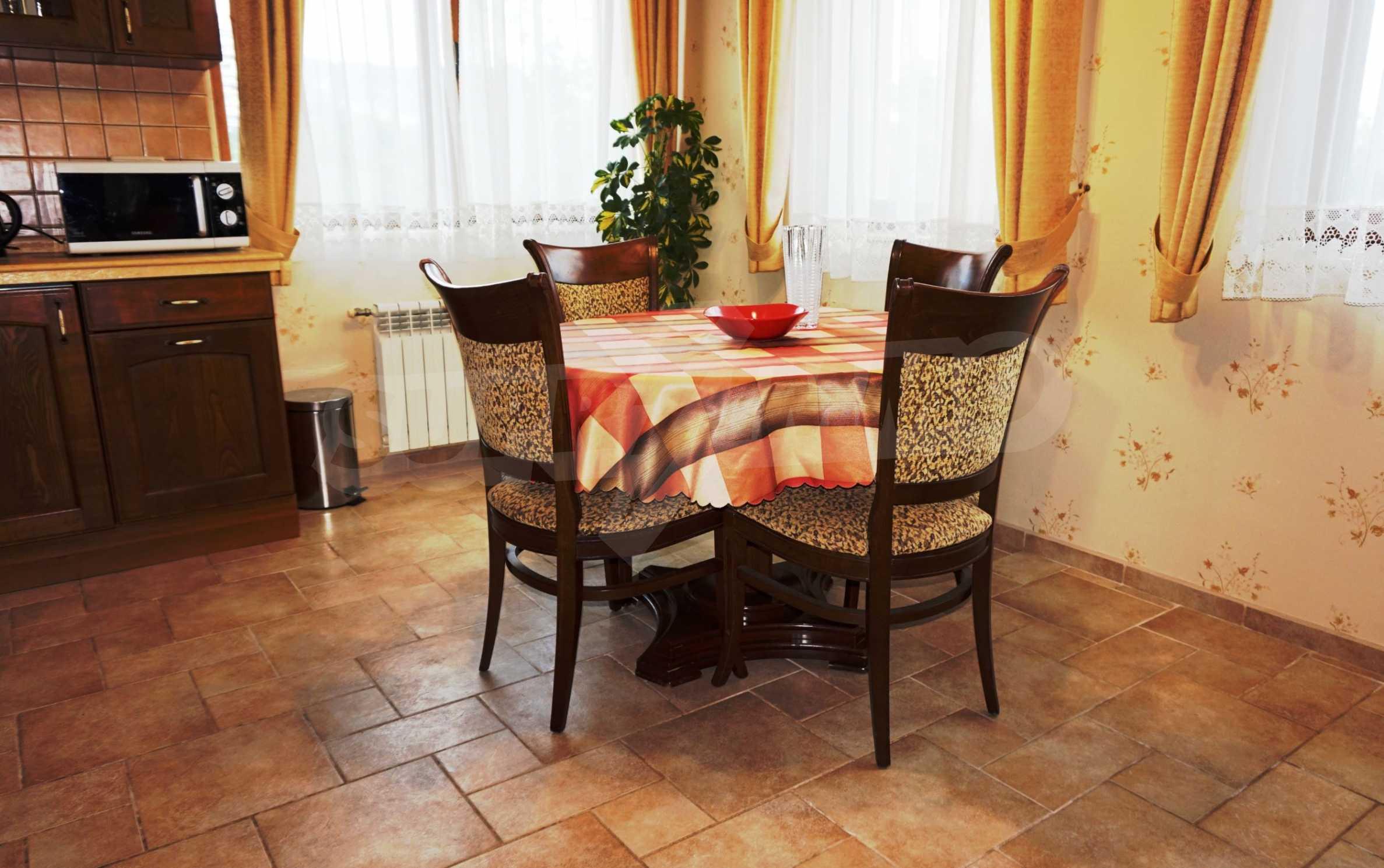 Апартамент Салтанат - комфортен имот в сърцето на Морската градина 8