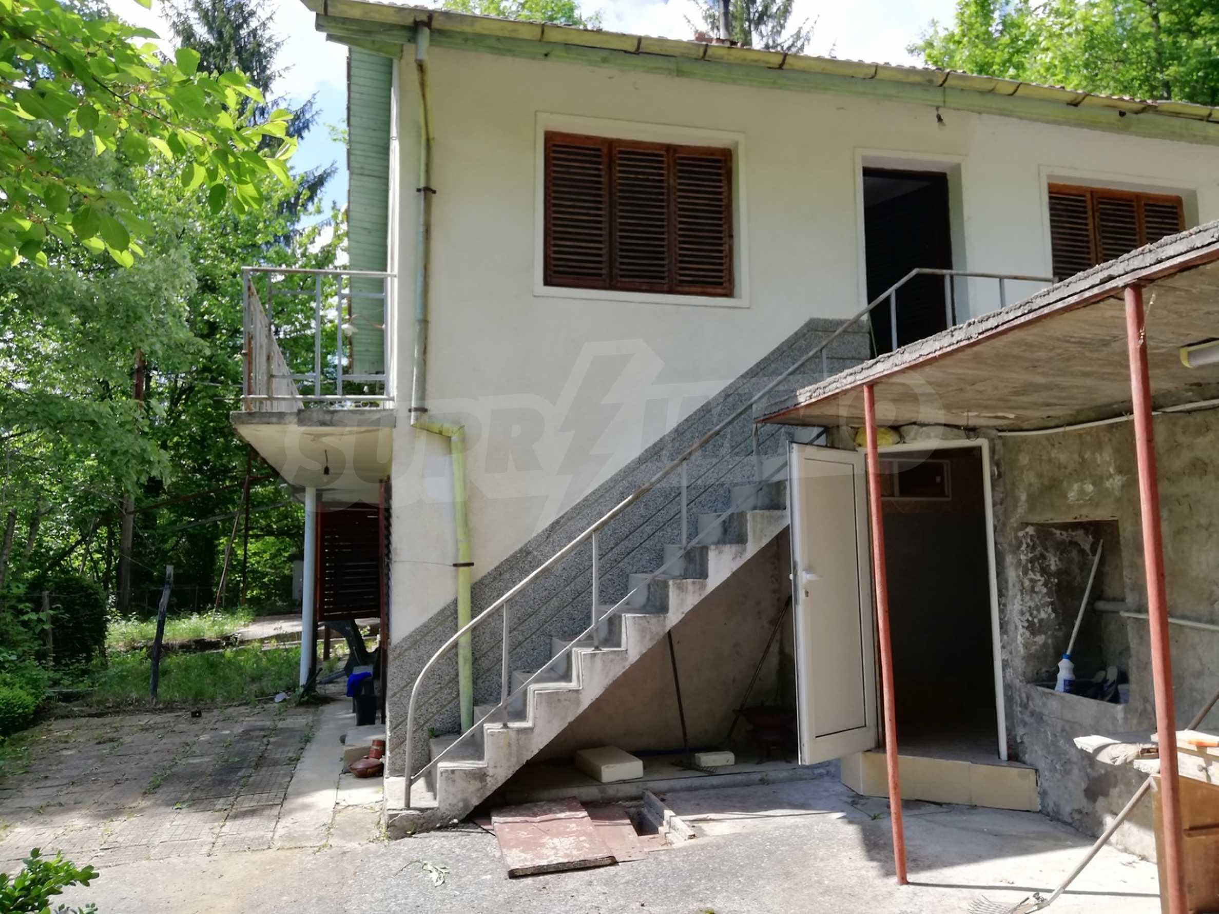 Двуетажна вила в село с минерална  вода в Троянския Балкан  6