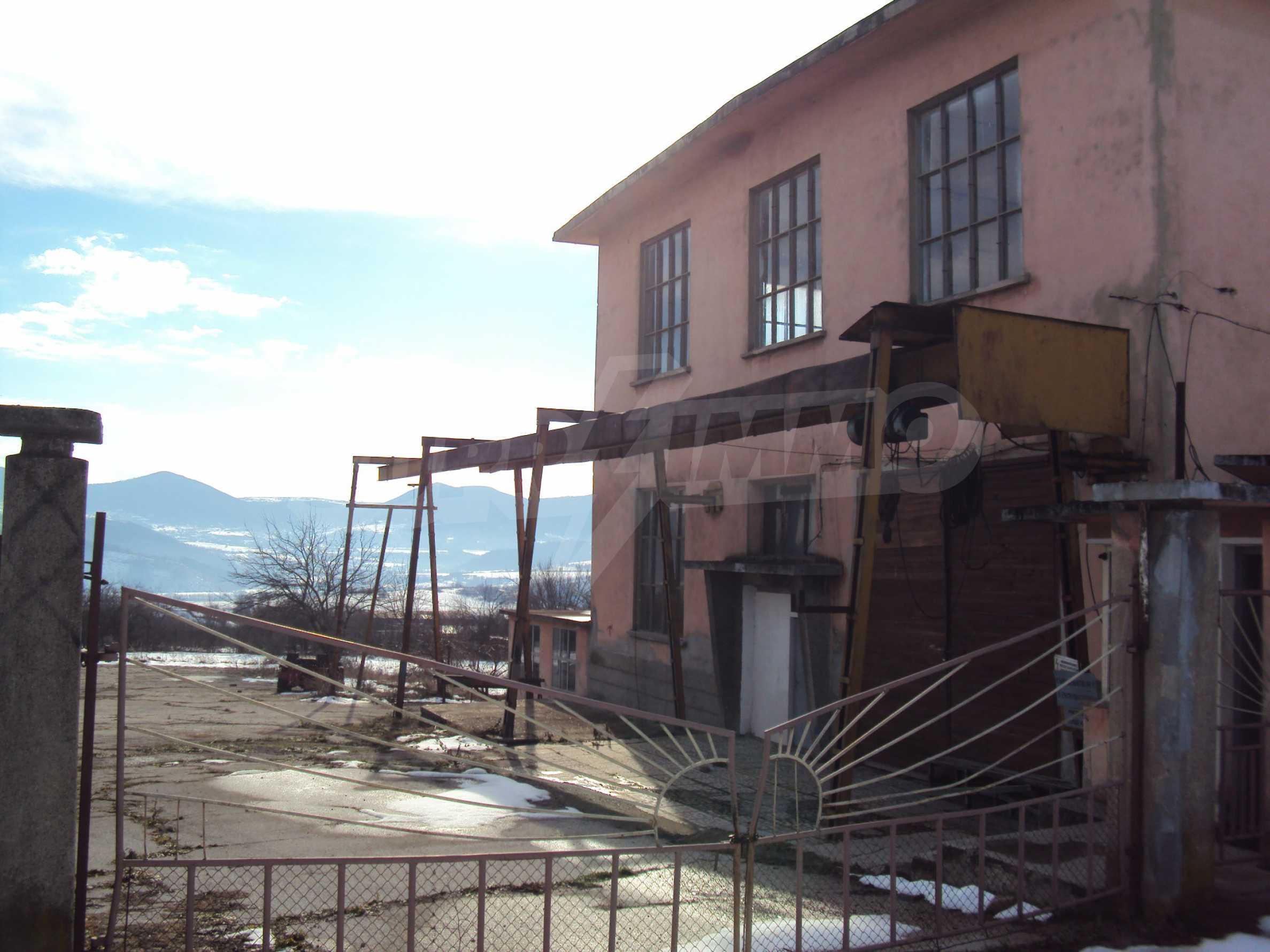 Fabrik in der Nähe von Veliko Tarnovo 25