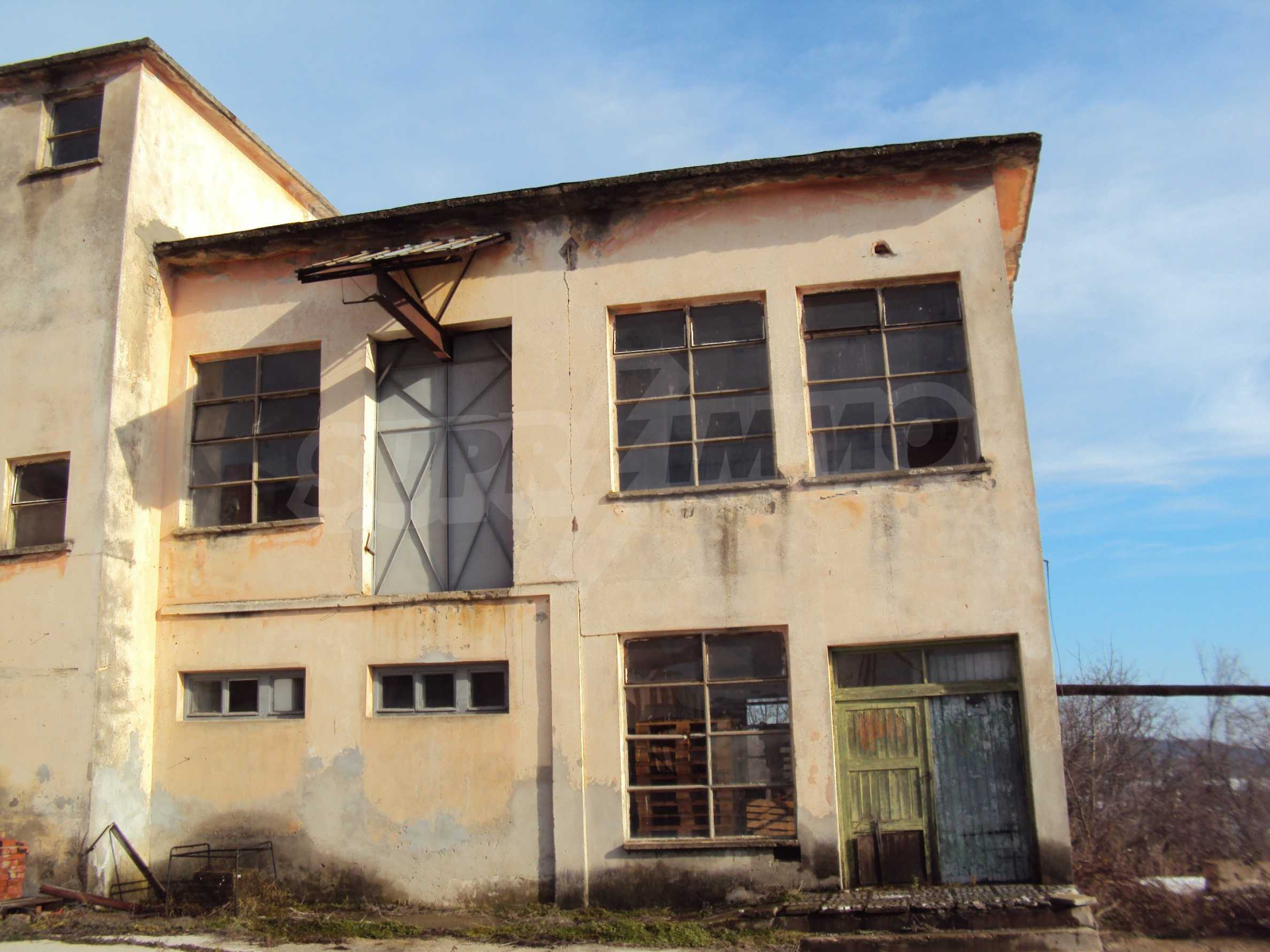 Fabrik in der Nähe von Veliko Tarnovo 30