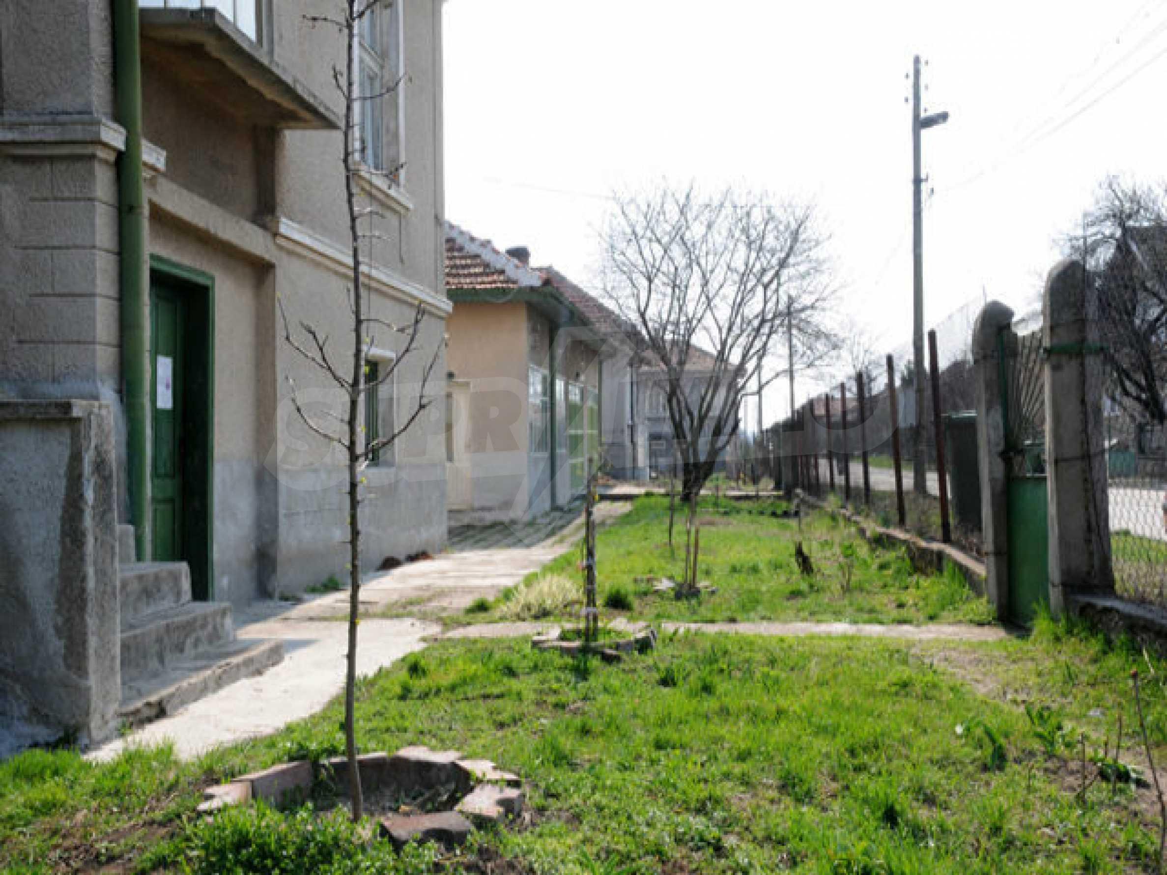 Large two-storey house in Dunavtsi