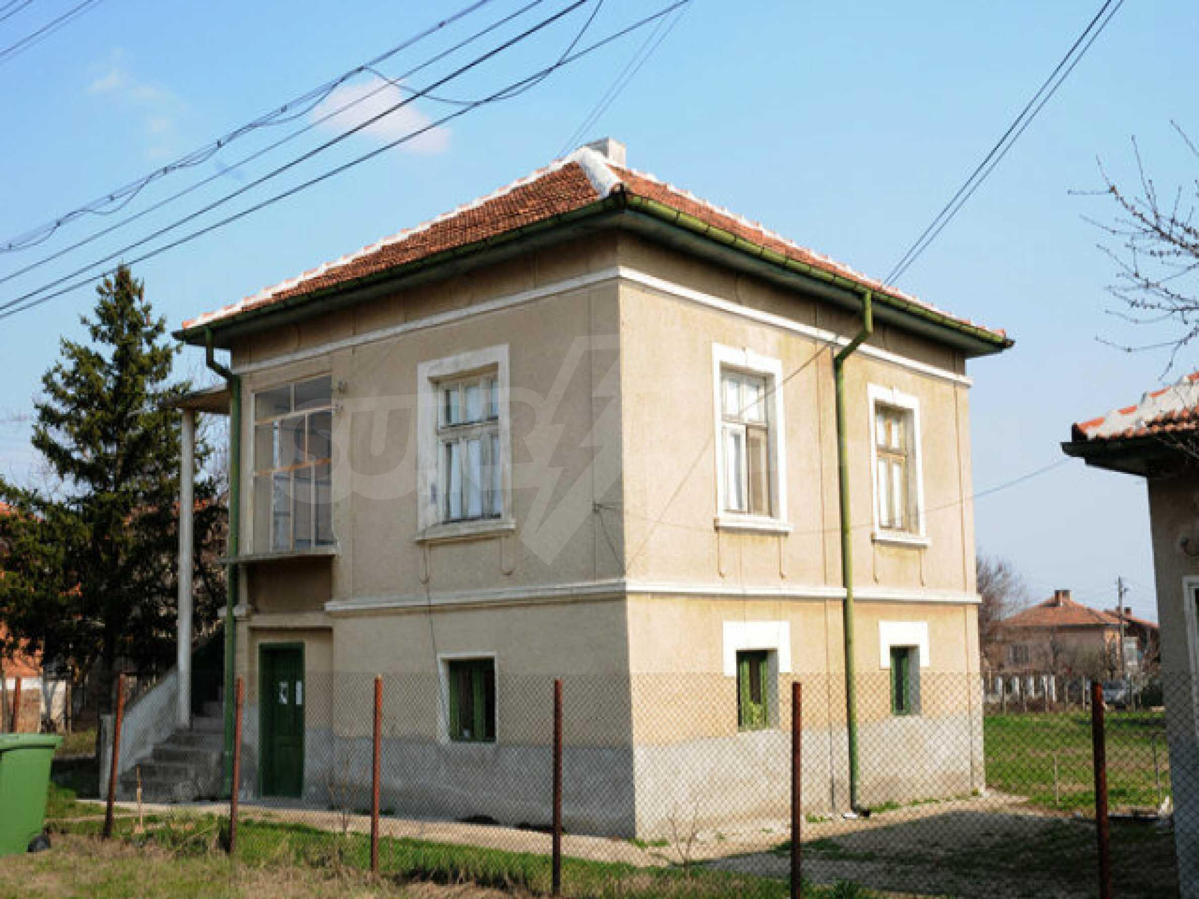 Large two-storey house in Dunavtsi 1