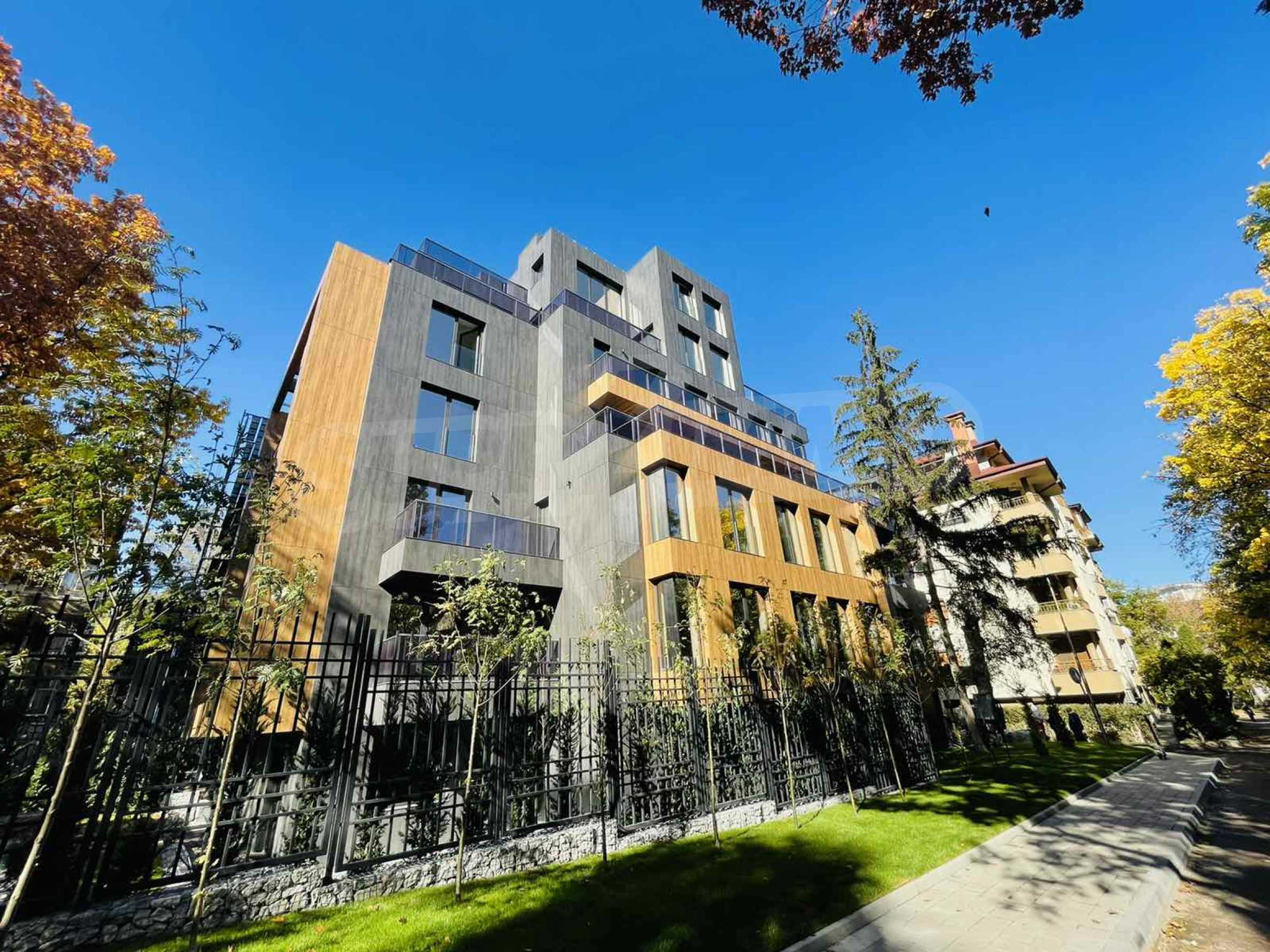 One bedroom apartment in a building with Act 14 near Joliot-Curie metro station