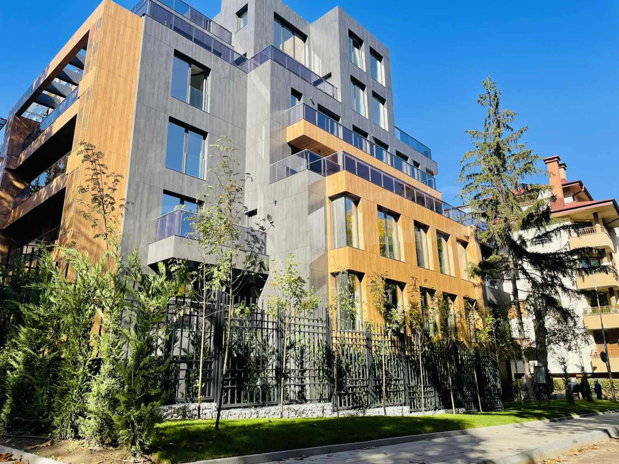 One bedroom apartment in a building with Act 14 near Joliot-Curie metro station 2