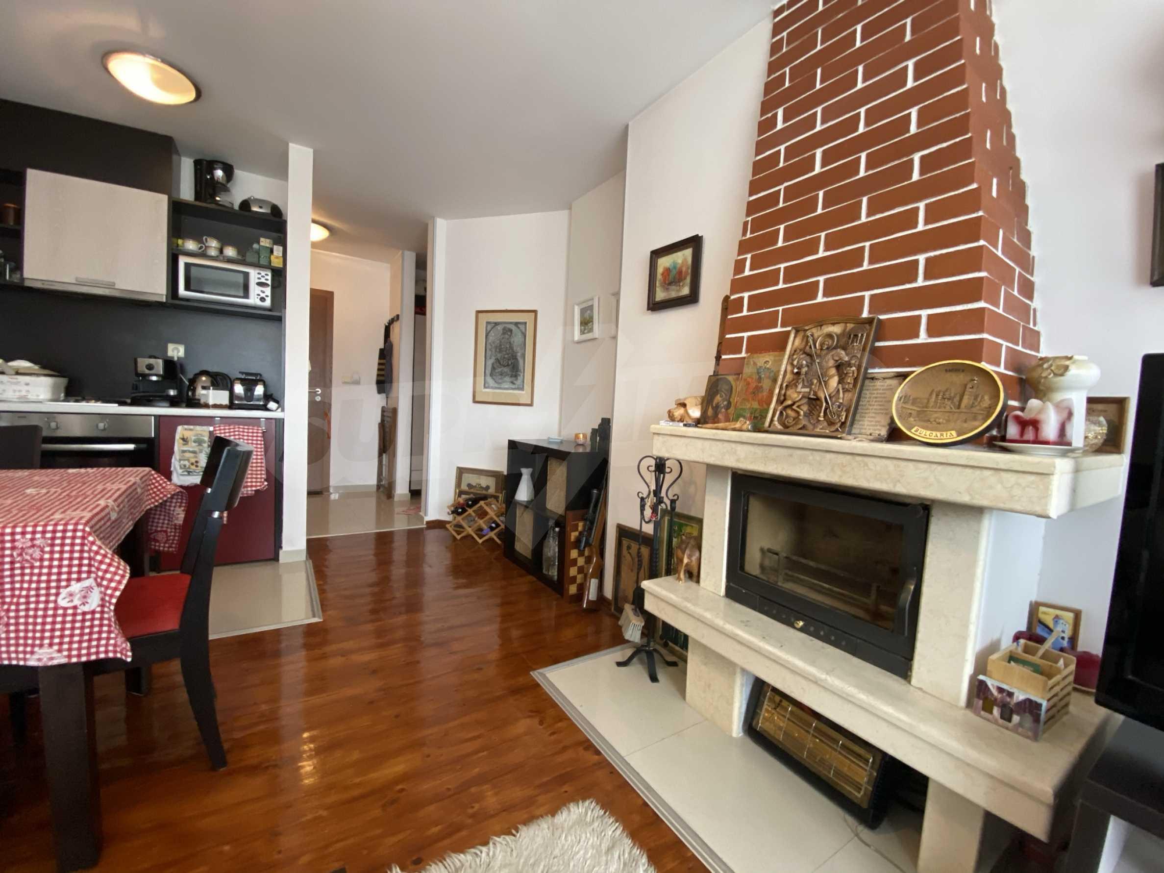 Обзаведен апартамент на метри от ски лифта в град Банско 10