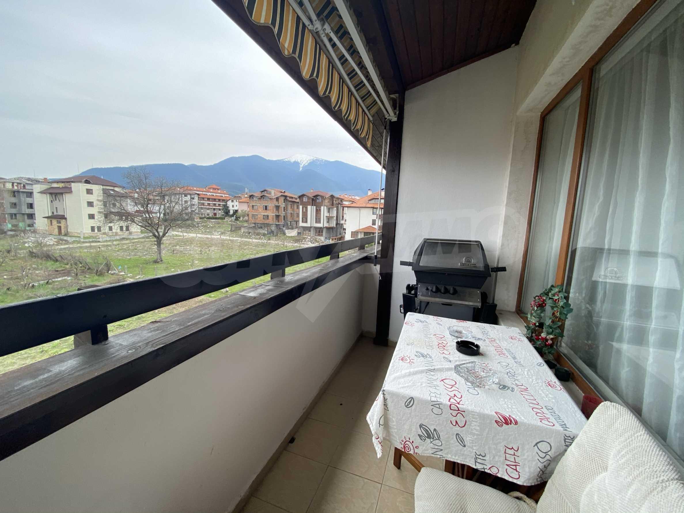 Обзаведен апартамент на метри от ски лифта в град Банско 12