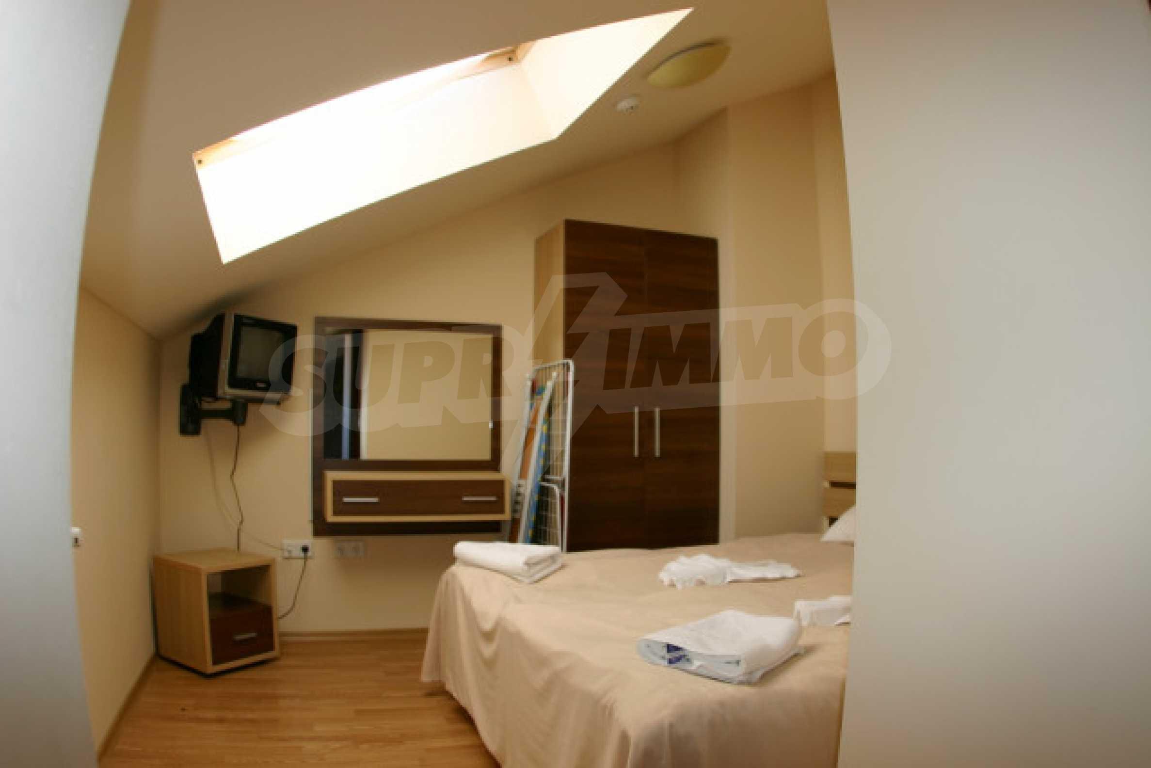 1 Bedroom Penthouse In Belmont Complex 3