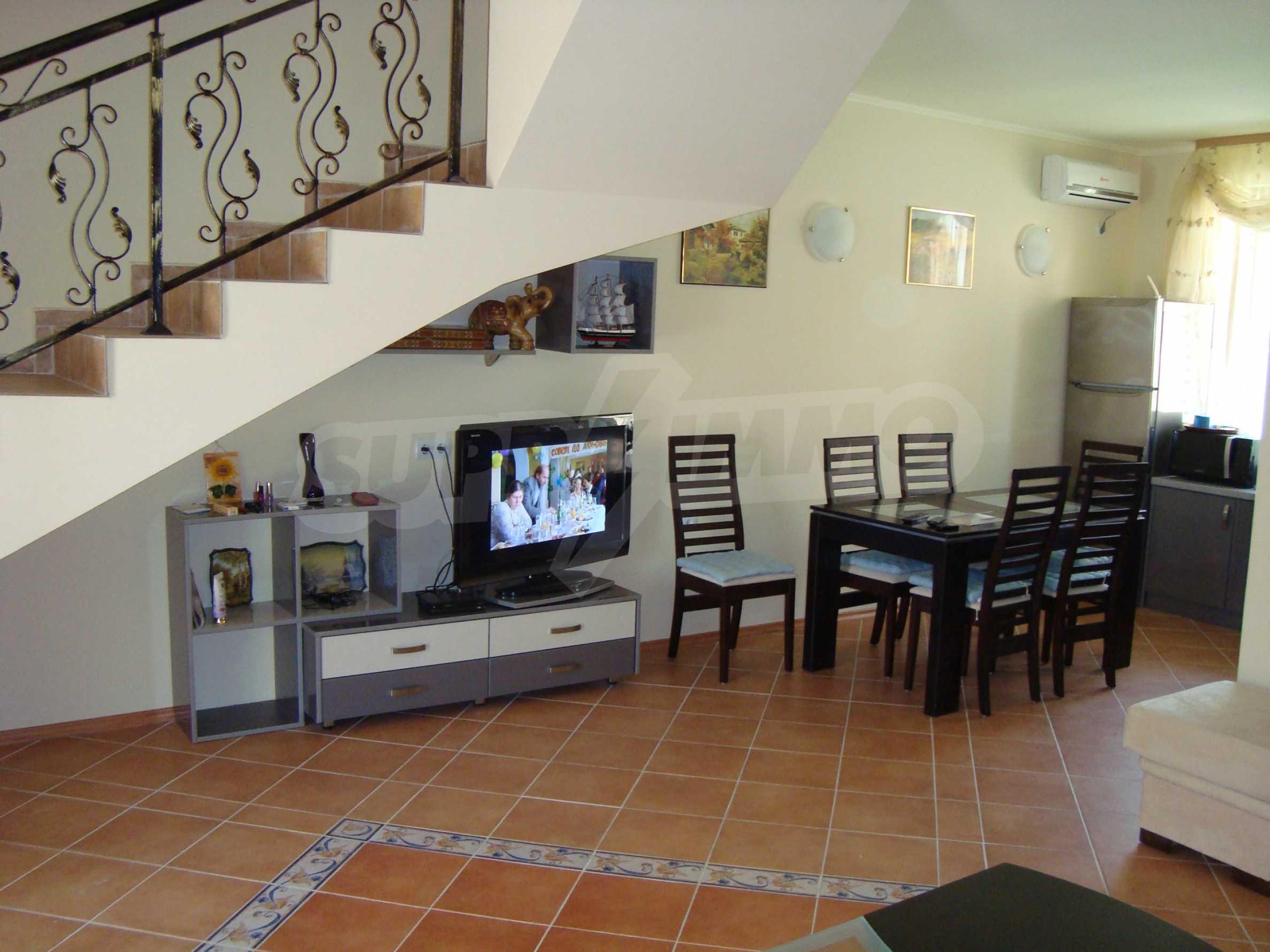 2-stöckige Villa zum Verkauf in Elenite Feriendorf, 8