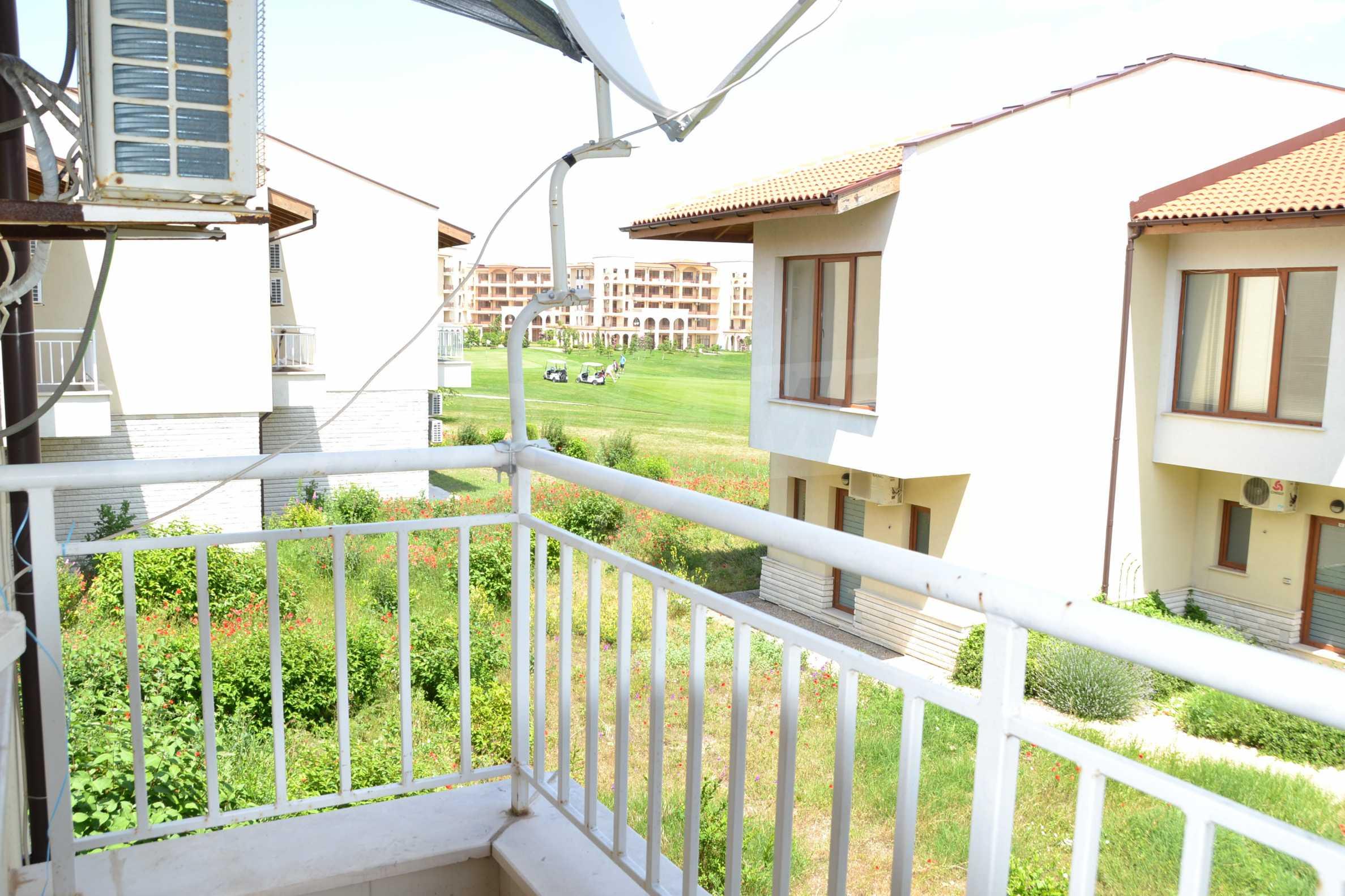 Zweistöckiges Haus im Lighthouse Golf Resort 25