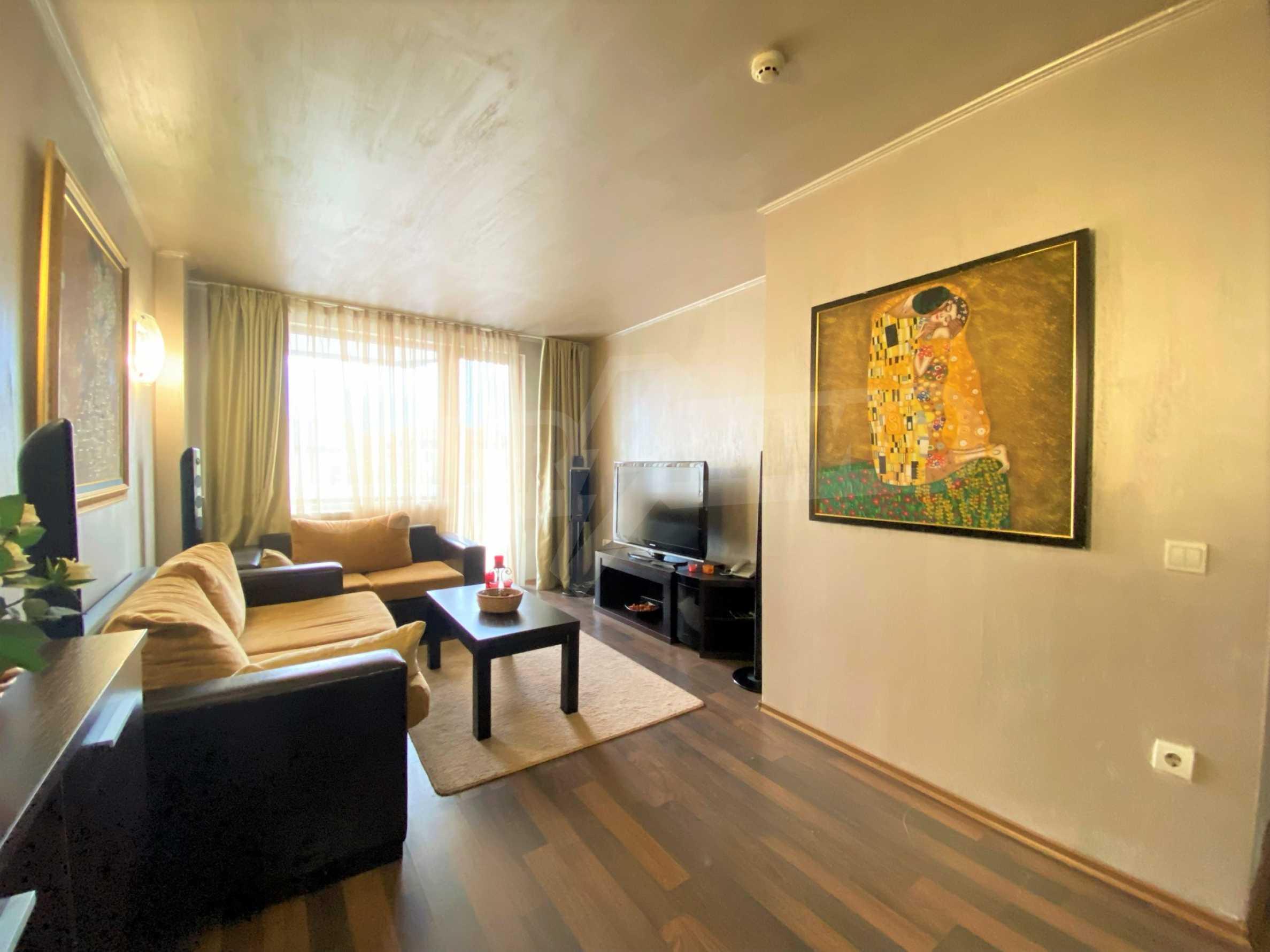 Обзаведен тристаен апартамент в луксозен комплекс Гранд Хотел Банско