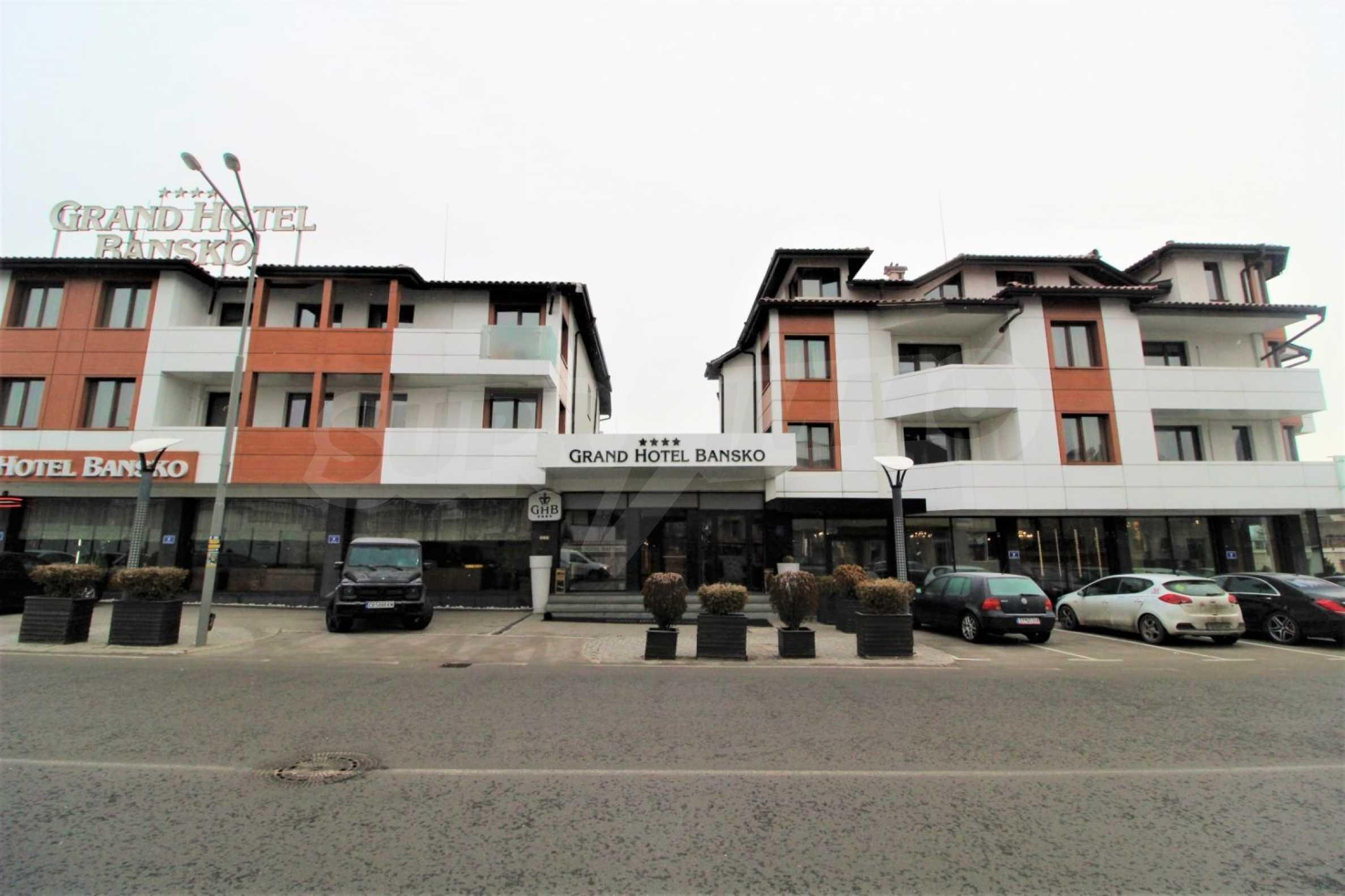 Обзаведен тристаен апартамент в луксозен комплекс Гранд Хотел Банско 18