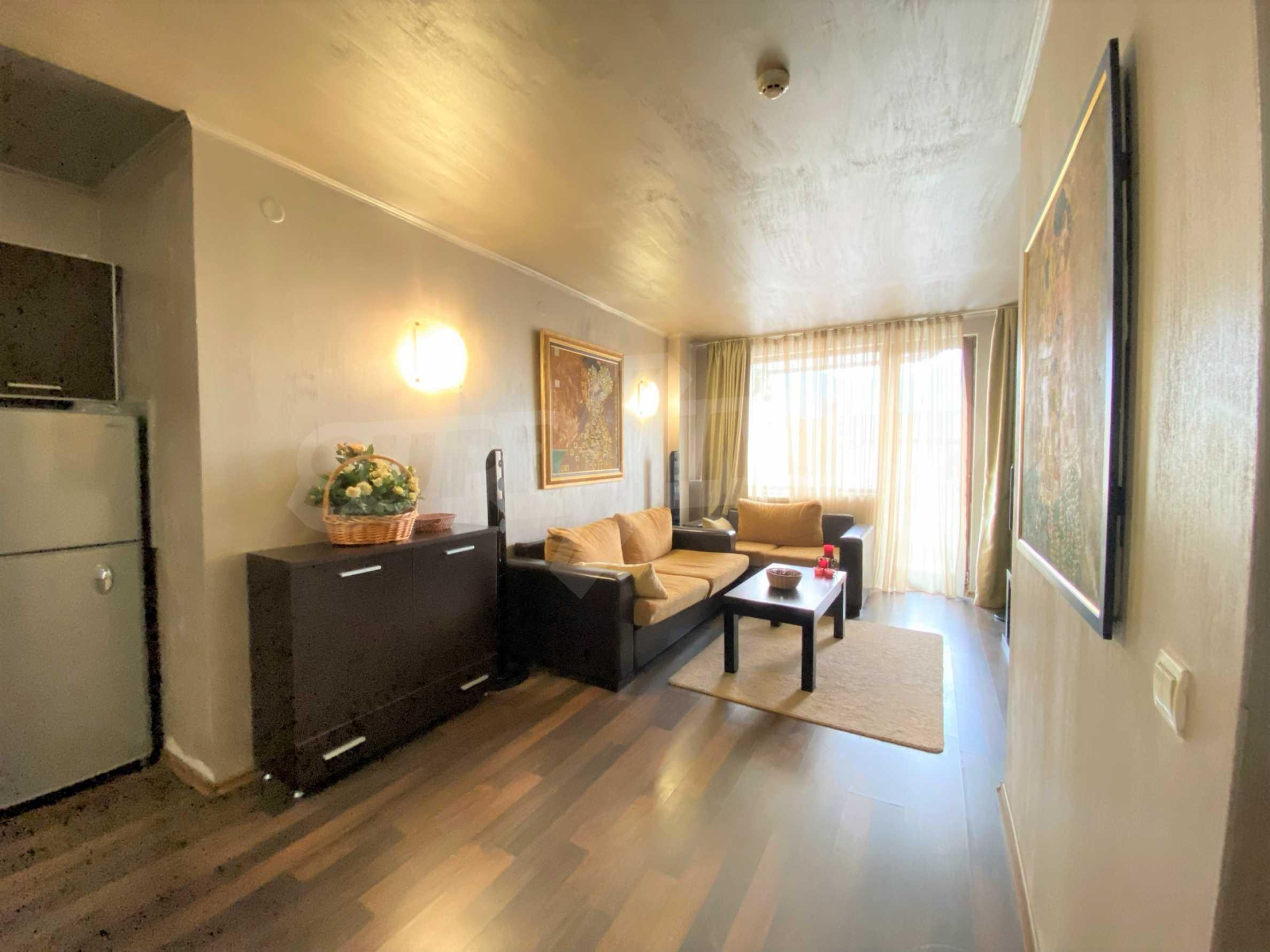 Обзаведен тристаен апартамент в луксозен комплекс Гранд Хотел Банско 1
