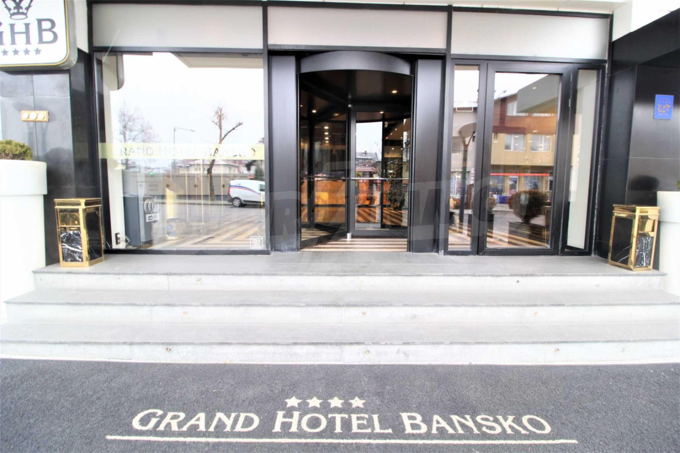 Обзаведен тристаен апартамент в луксозен комплекс Гранд Хотел Банско 20