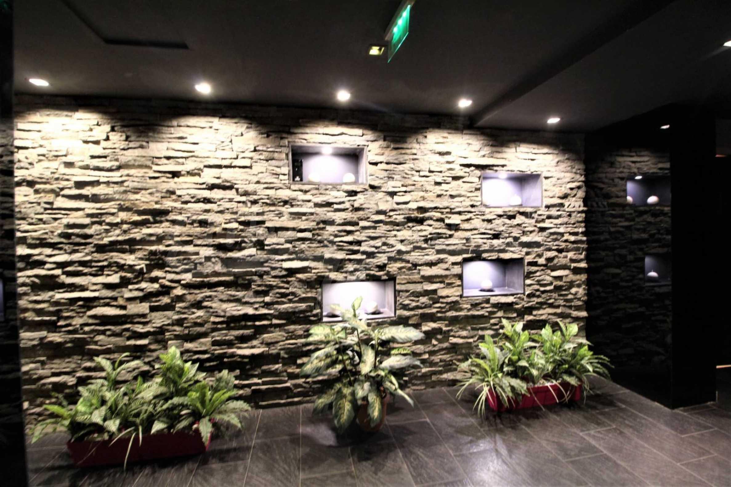 Обзаведен тристаен апартамент в луксозен комплекс Гранд Хотел Банско 23