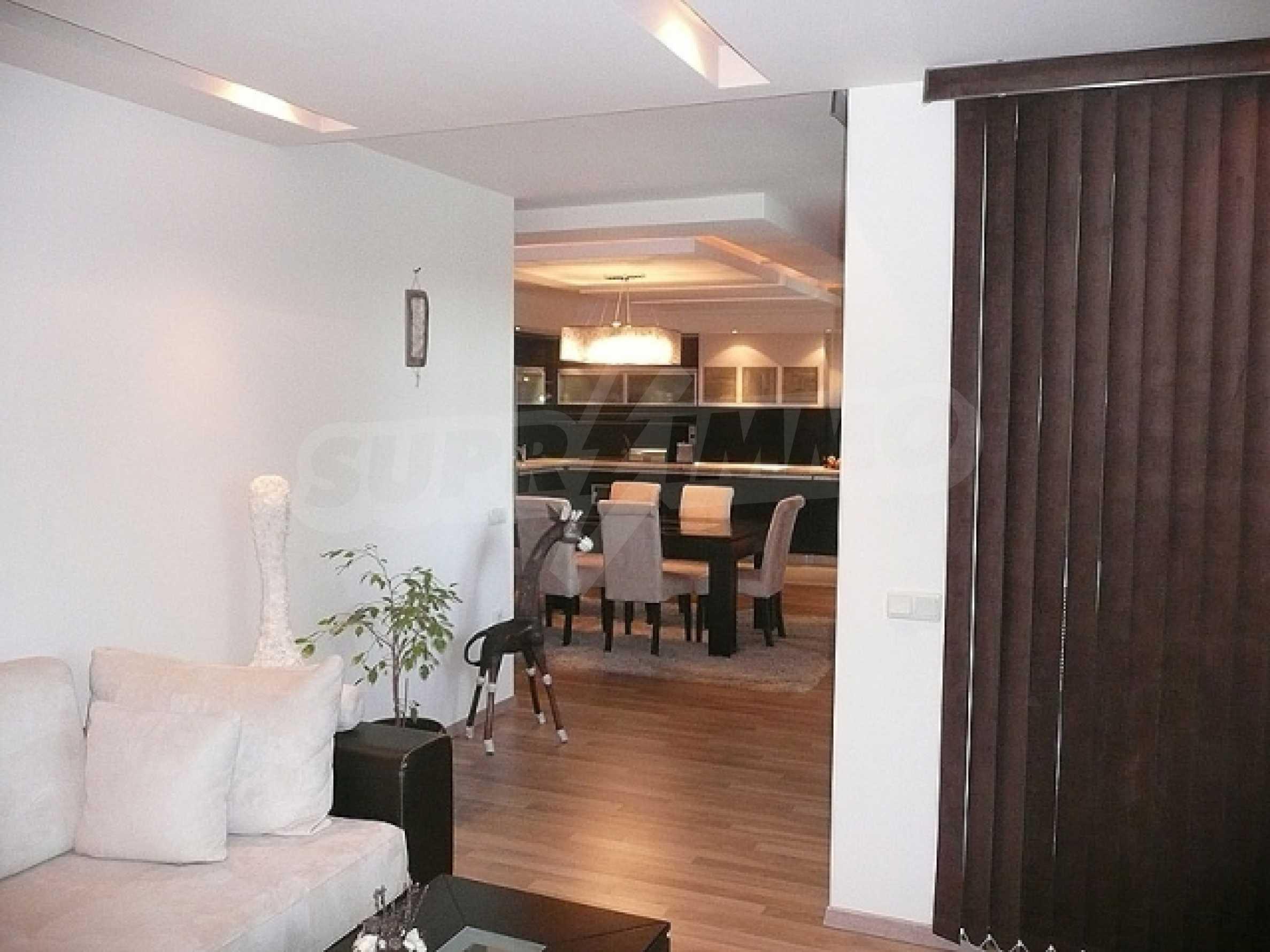 Большая квартира в закрытом комплексе с бассейном в эко-районе недалеко от Варны 2