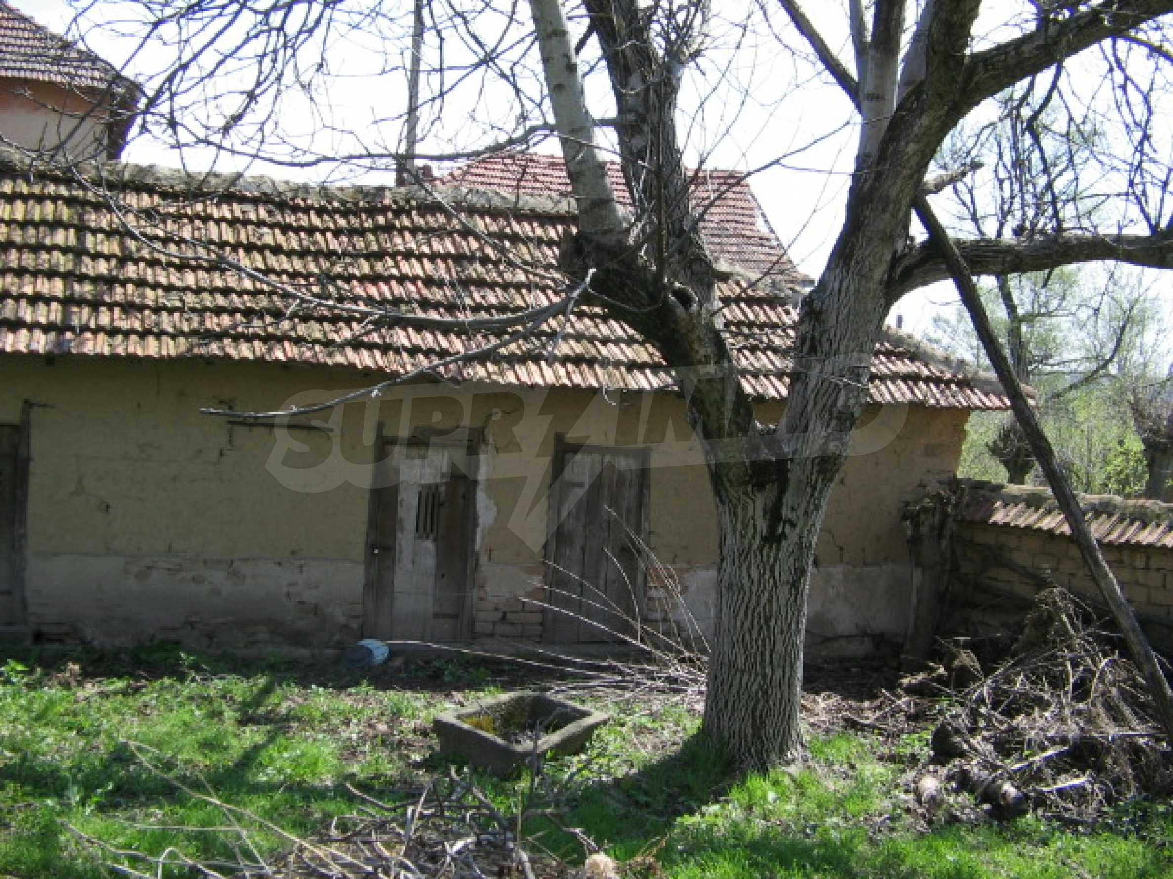 Просторный дом у реки 11
